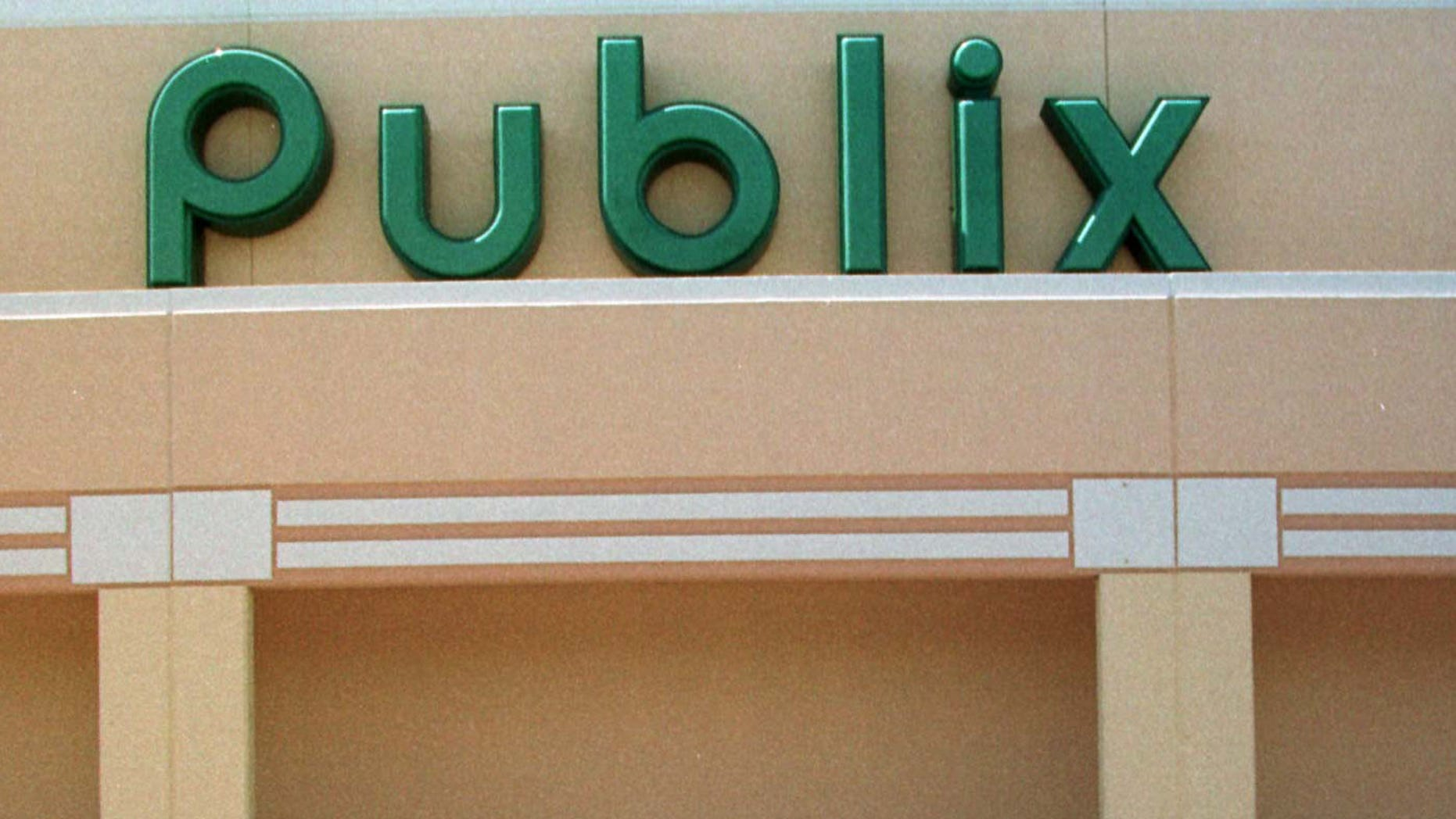 370990 07: ****EXCLUSIVE**** (MAGS MUST CALL) The grocery store Publix where George Trofimoff worked in Viera, Florida June 15, 2000. Trofimoff, of Melbourne, Florida, was arrested on charges that he engaged in a 25-year-long conspiracy to sell classified military intelligence information to the Soviet Union. (Photo by Robert King /Newsmakers)