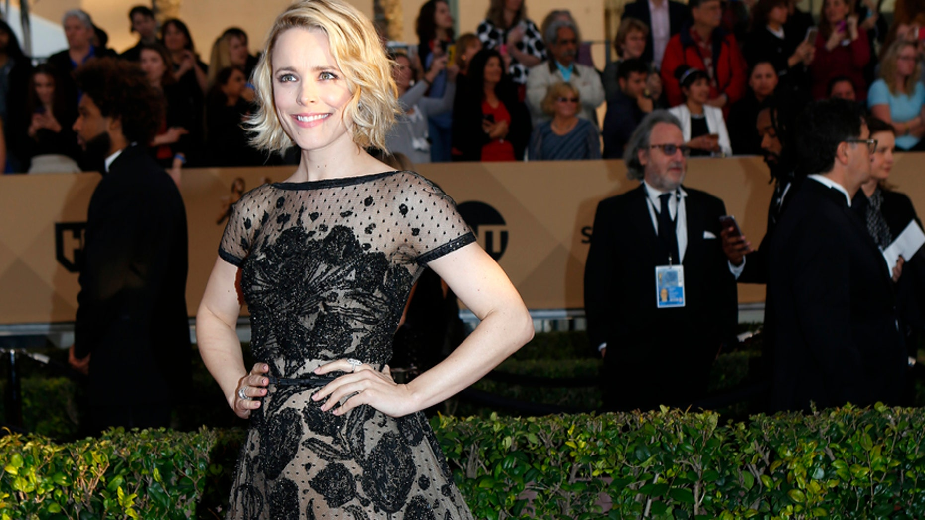 Actress Rachel McAdams arrives at the 22nd Screen Actors Guild Awards in Los Angeles, California January 30, 2016.  REUTERS/Mike Blake - RTX24QPN