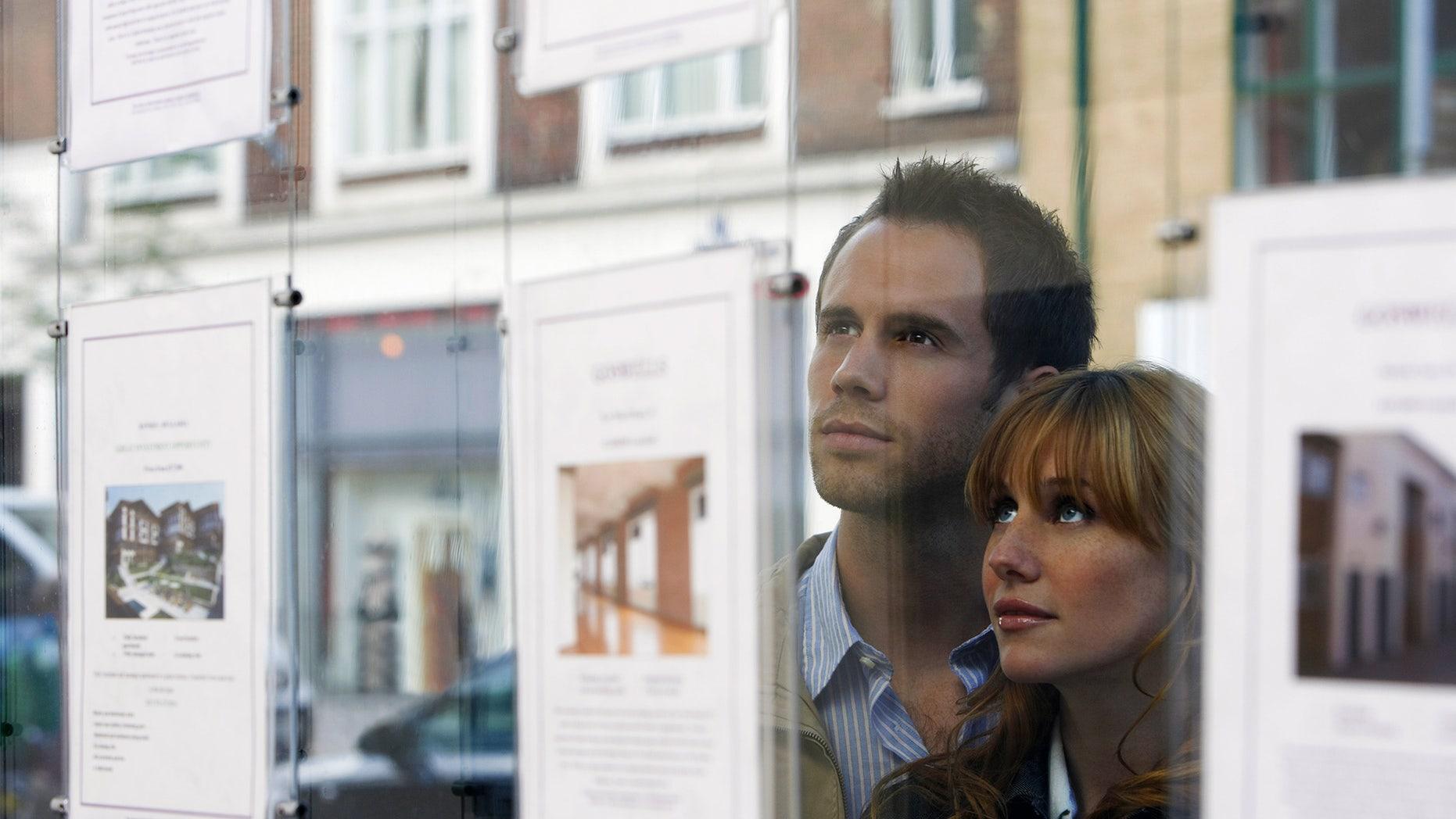 real-estate-window-shopping