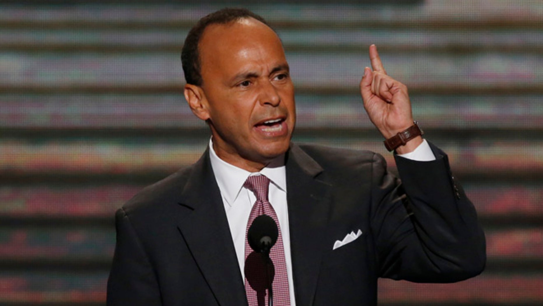 U.S. Rep. Luis Gutierrez (D-IL) addresses delegates during the second session of the Democratic National Convention in Charlotte, North Carolina, September 5, 2012.   REUTERS/Jason Reed (UNITED STATES  - Tags: POLITICS ELECTIONS)   - RTR37J8M