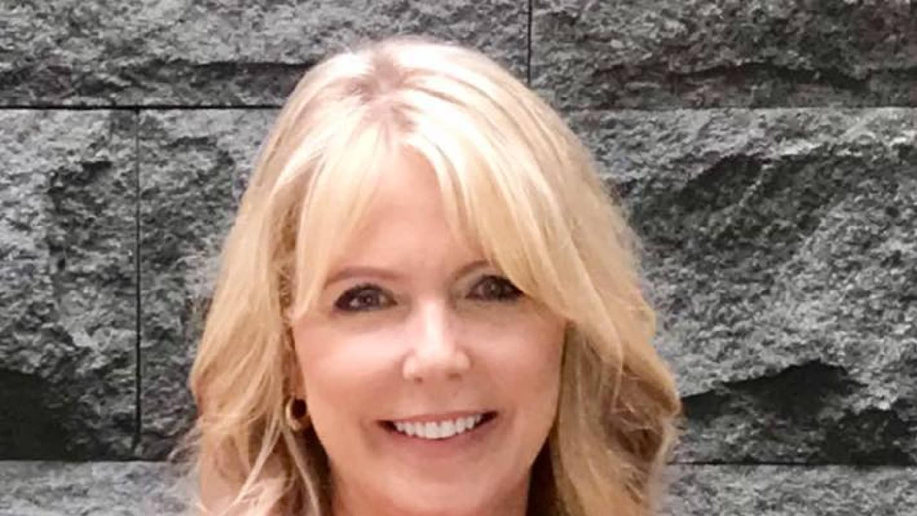 South Dakota TV journalist Angela Kennecke says she noticed red flags in the weeks leading up to her daughter's death.