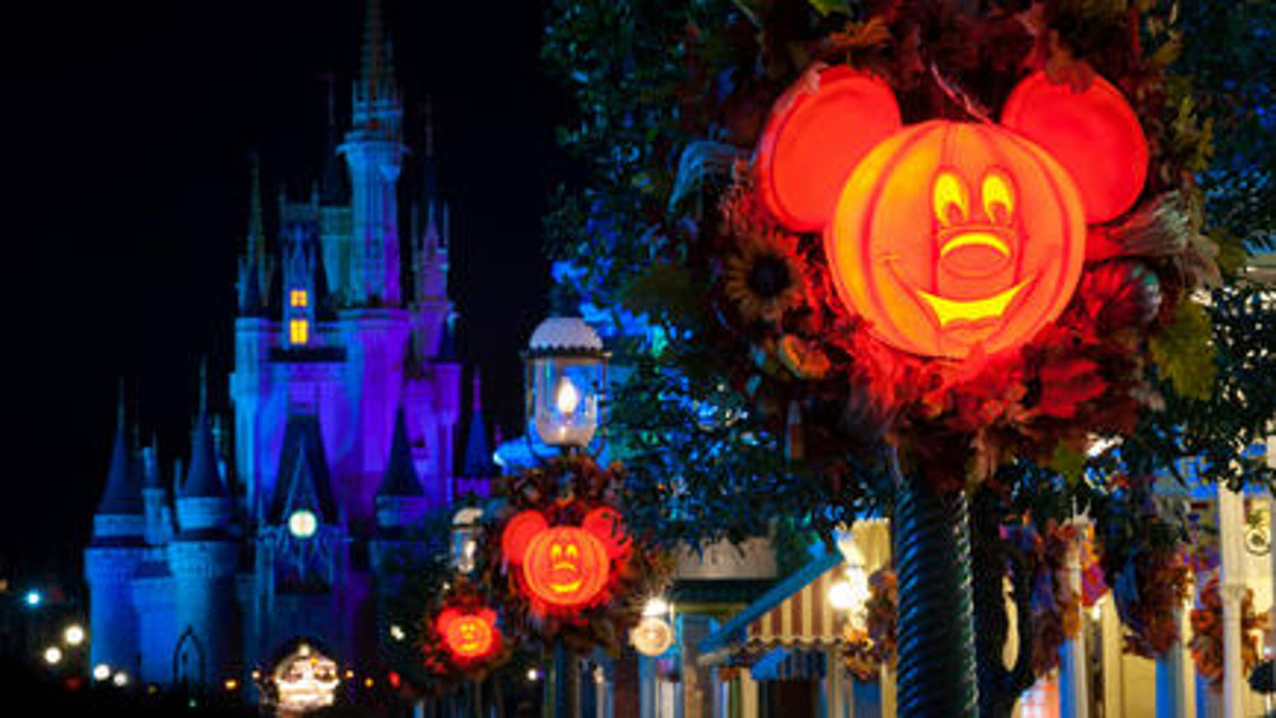 disney villains have their night at mickey's not-so-scary halloween