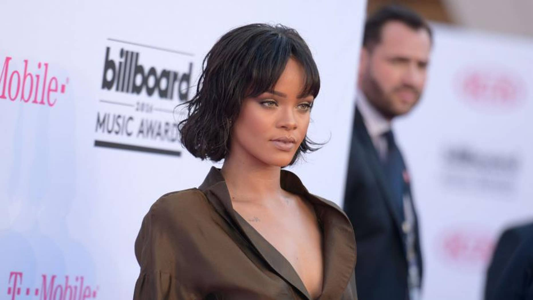 Rihanna Wanted David Copperfield To Restore Her Virginity -3226