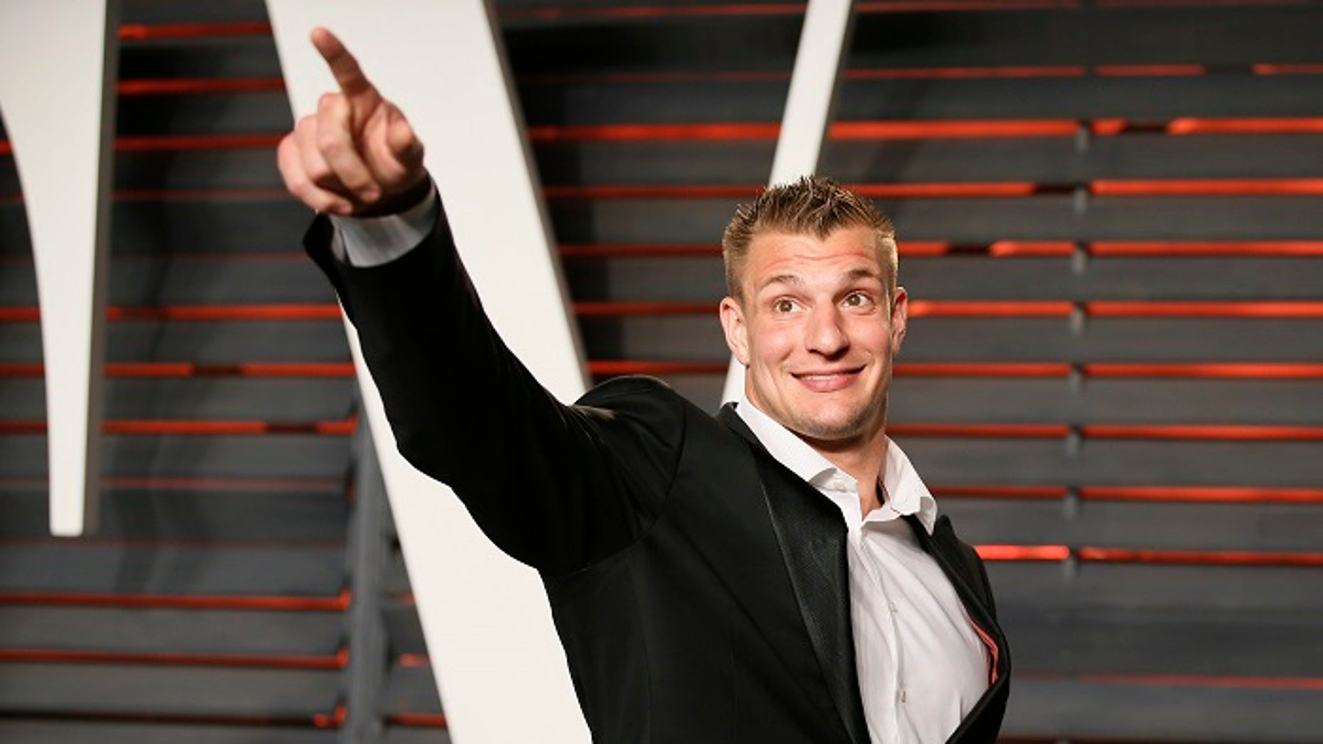 Rob Gronkowski is reportedly considering retiring from the NFL to pursue an acting career.