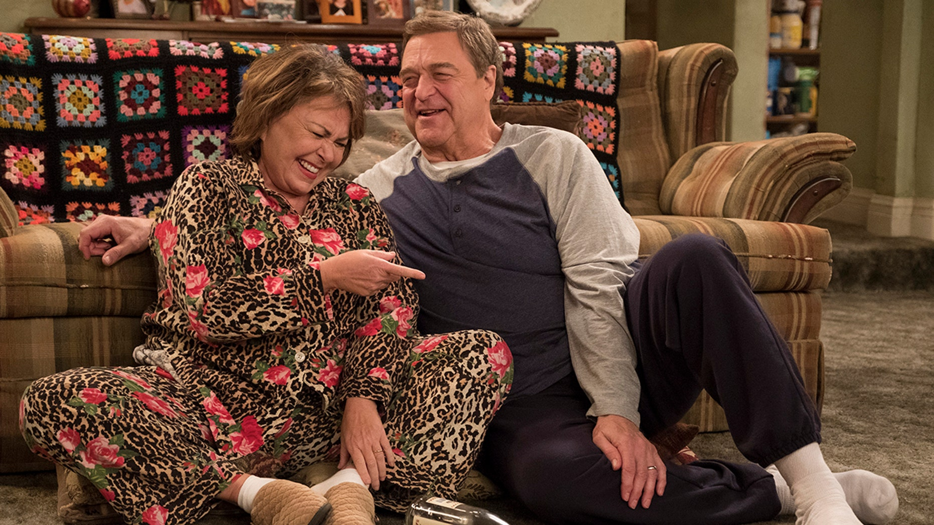 """ROSEANNE - """"Netflix & Pill"""" - After celebrating their 45th anniversary, Roseanne reveals to Dan a bigger problem with her bad knee. Meanwhile, Crystal announces her retirement as a waitress at the casino, and Becky and Darlene compete for the job which has full-time benefits, on the eighth episode of the revival of """"Roseanne,"""" TUESDAY, MAY 15 (8:00-8:30 p.m. EDT), on The ABC Television Network. (ABC/Adam Rose)ROSEANNE BARR, JOHN GOODMAN"""