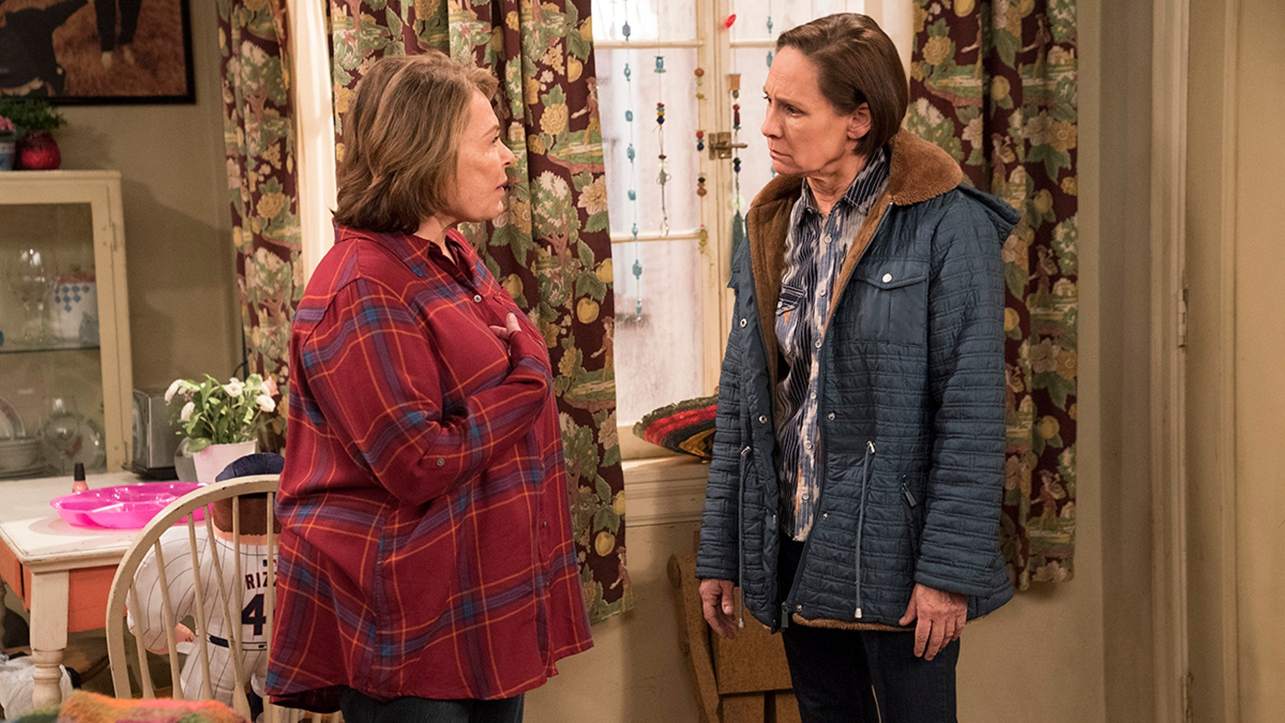 """ROSEANNE - """"No Country for Old Women"""" - After Beverly gets kicked out of the nursing home, Roseanne and Jackie fight over who will take care of their mother. Meanwhile, Mark's creative touch with building a birdhouse for Dan's customer is more than Dan can handle, but Darlene defends her son, on the sixth episode of the revival of """"Roseanne,"""" TUESDAY, MAY 1 (8:00-8:30 p.m. EDT), on The ABC Television Network. (ABC/Greg Gayne)ROSEANNE BARR, LAURIE METCALF"""