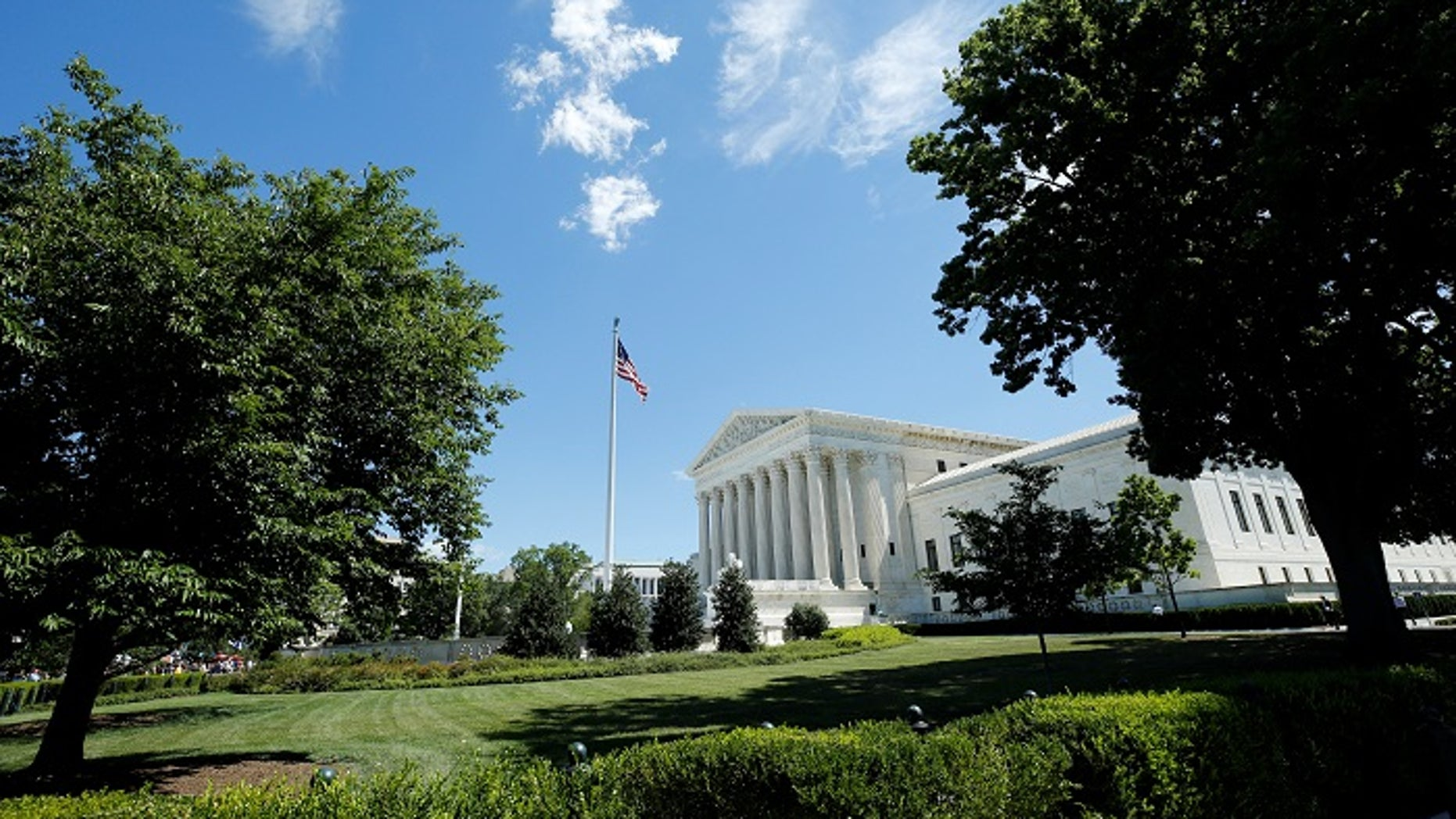 The building of the U.S. Supreme Court is seen after it granted parts of the Trump administration's emergency request to put his travel ban into effect immediately while the legal battle continues, in Washington, U.S., June 26, 2017. REUTERS/Yuri Gripas - RTS18P9S
