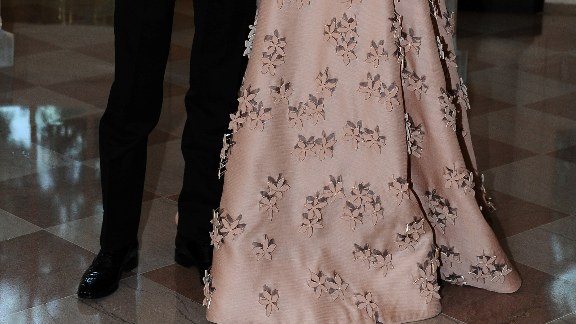 Evan Spiegel, Chief Executive Officer, Snapchat and model Miranda Kerr arrive for the state dinner in honor of the Nordic Summit at the White House in Washington, May 13, 2016. REUTERS/Mary F. Calvert - RTSE8TG