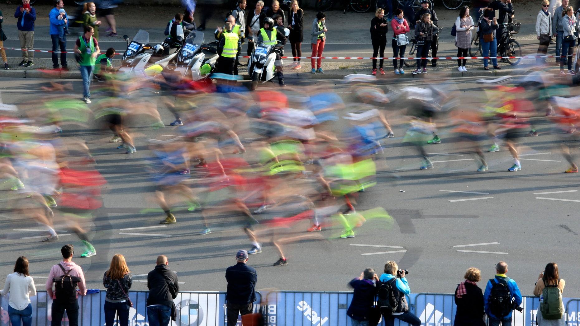 Runners compete at the Berlin marathon in Berlin, Germany, September 25, 2016. (REUTERS/Fabrizio Bensch)