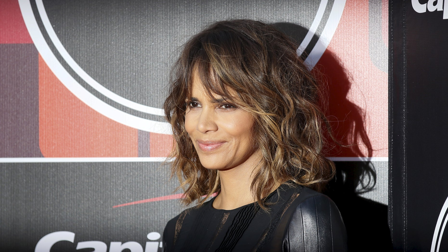 Actress Halle Berry arrives for the 2015 ESPY Awards in Los Angeles, California July 15, 2015.  REUTERS/Danny Moloshok - RTX1KGMB