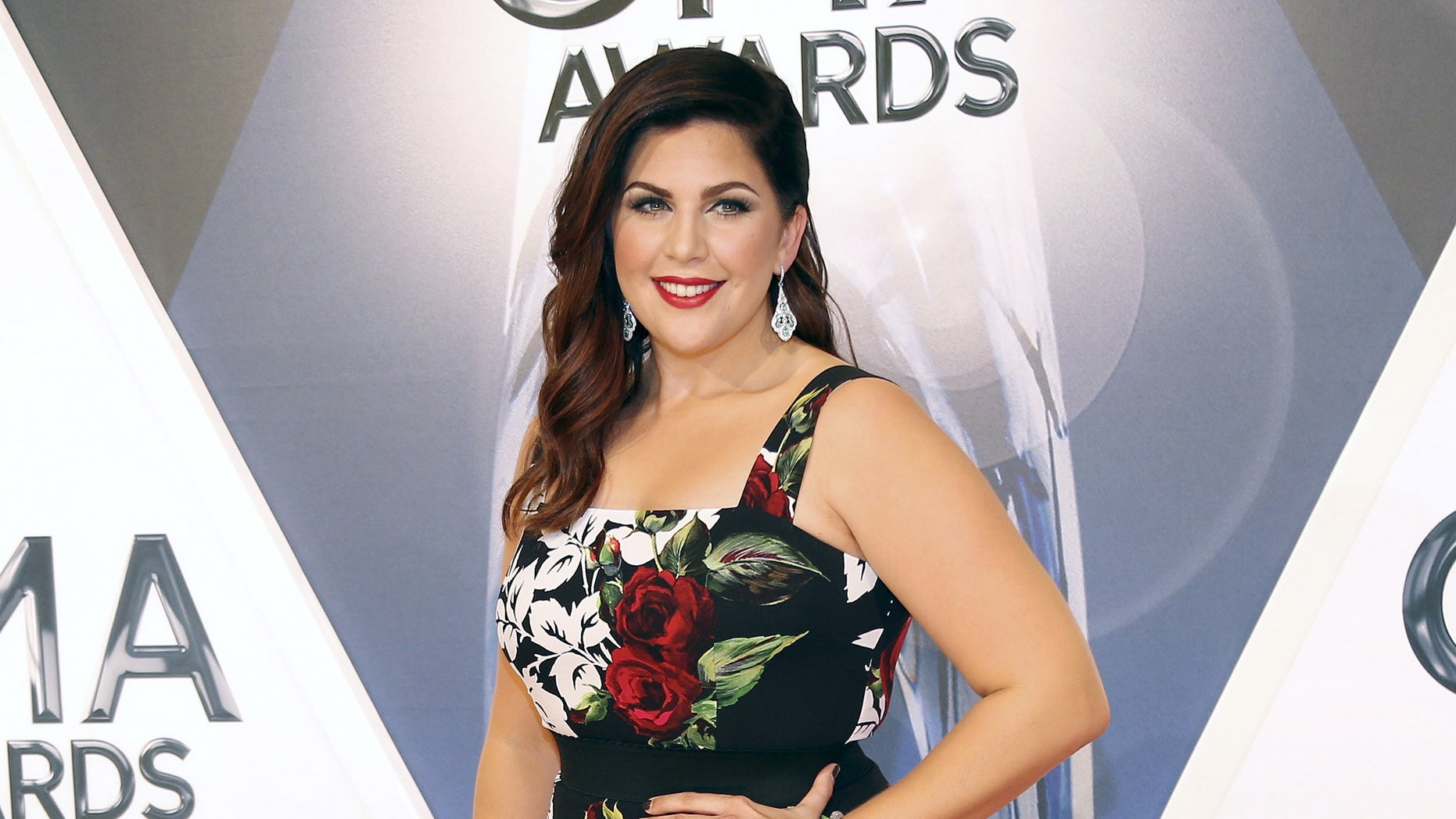 Singer Hillary Scott of Lady Antebellum arrives at the 49th Annual Country Music Association Awards in Nashville, Tennessee November 4, 2015.  REUTERS/Jamie Gilliam        EDITORIAL USE ONLY. NO RESALES. NO ARCHIVE - RTX1UT95