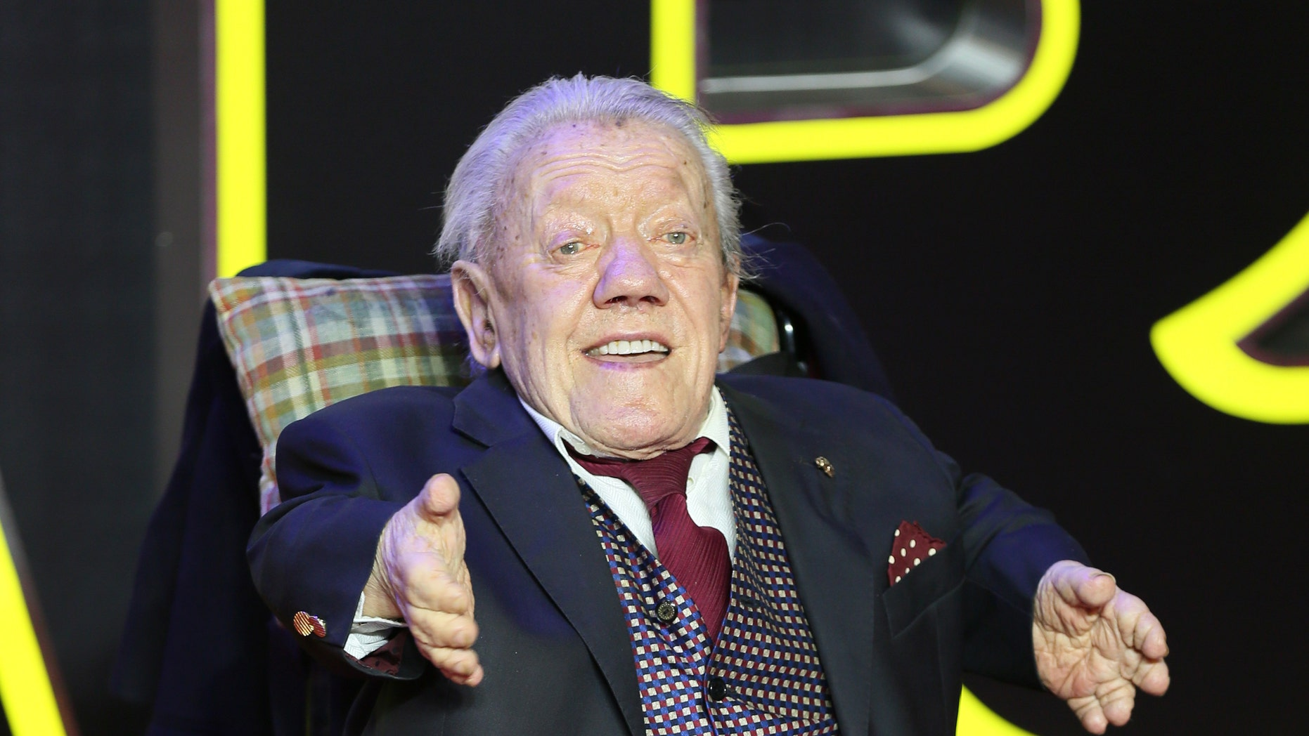 Kenny Baker in December 2015.