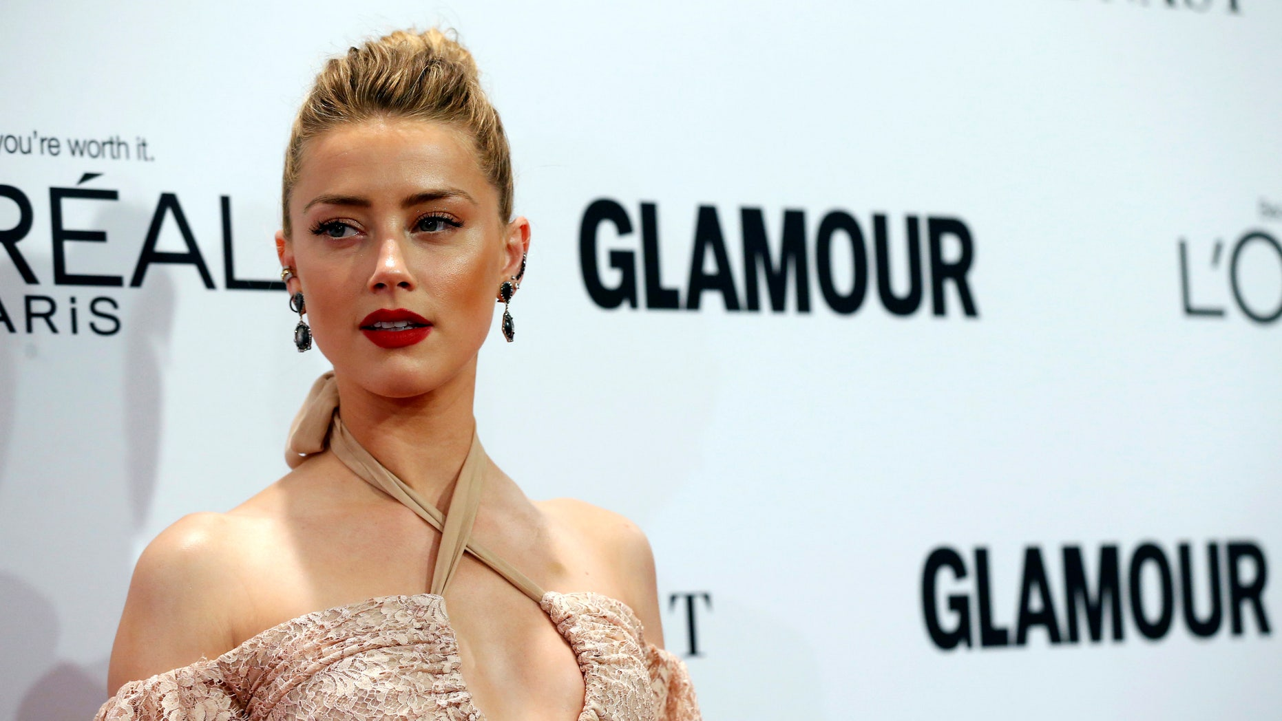 Amber Heard poses at the Glamour Women of the Year Awards in Los Angeles, California, U.S., November 14, 2016.