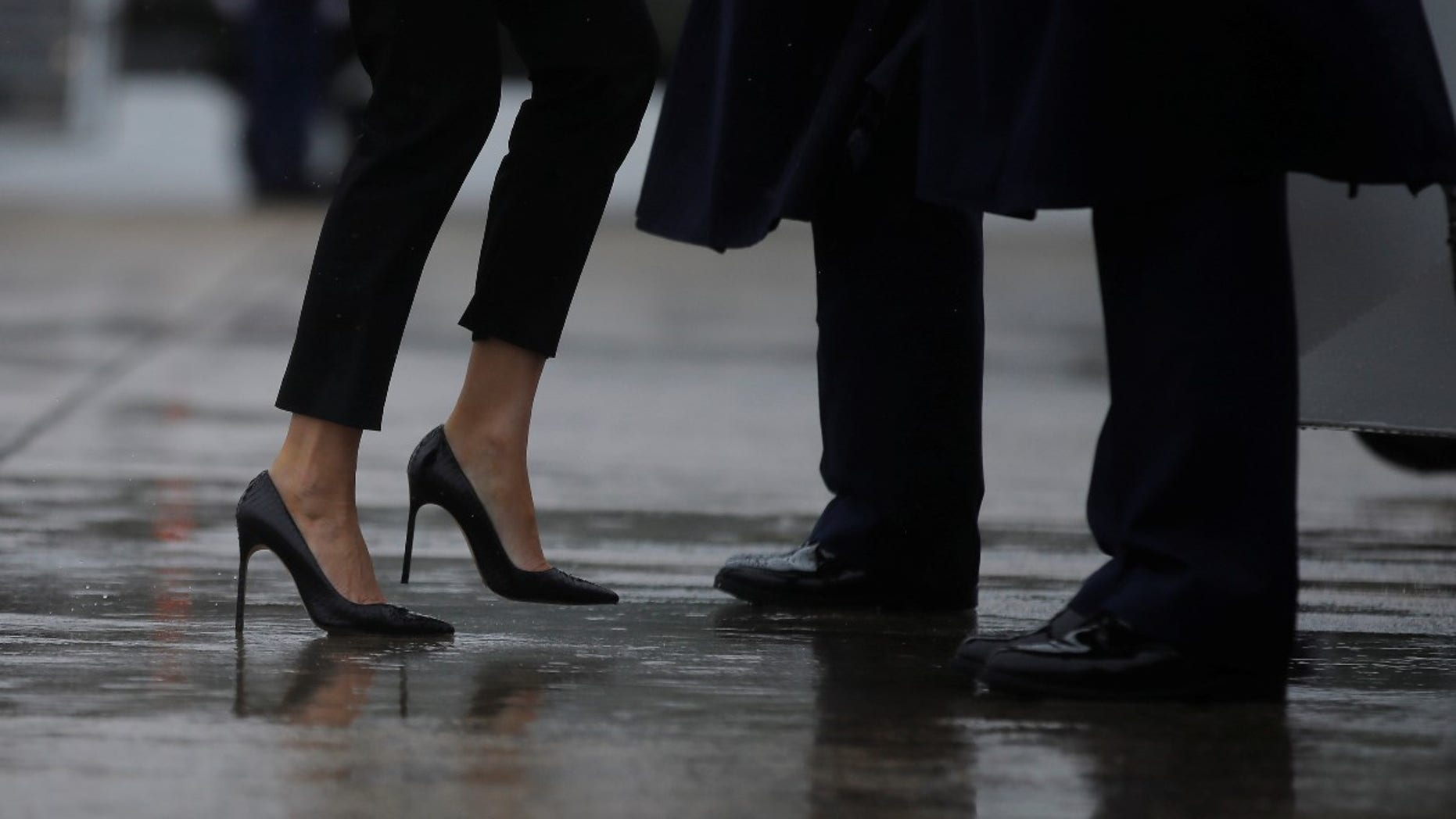Discussion on this topic: Melania Trump Wore Stiletto Heels For Air , melania-trump-wore-stiletto-heels-for-air/