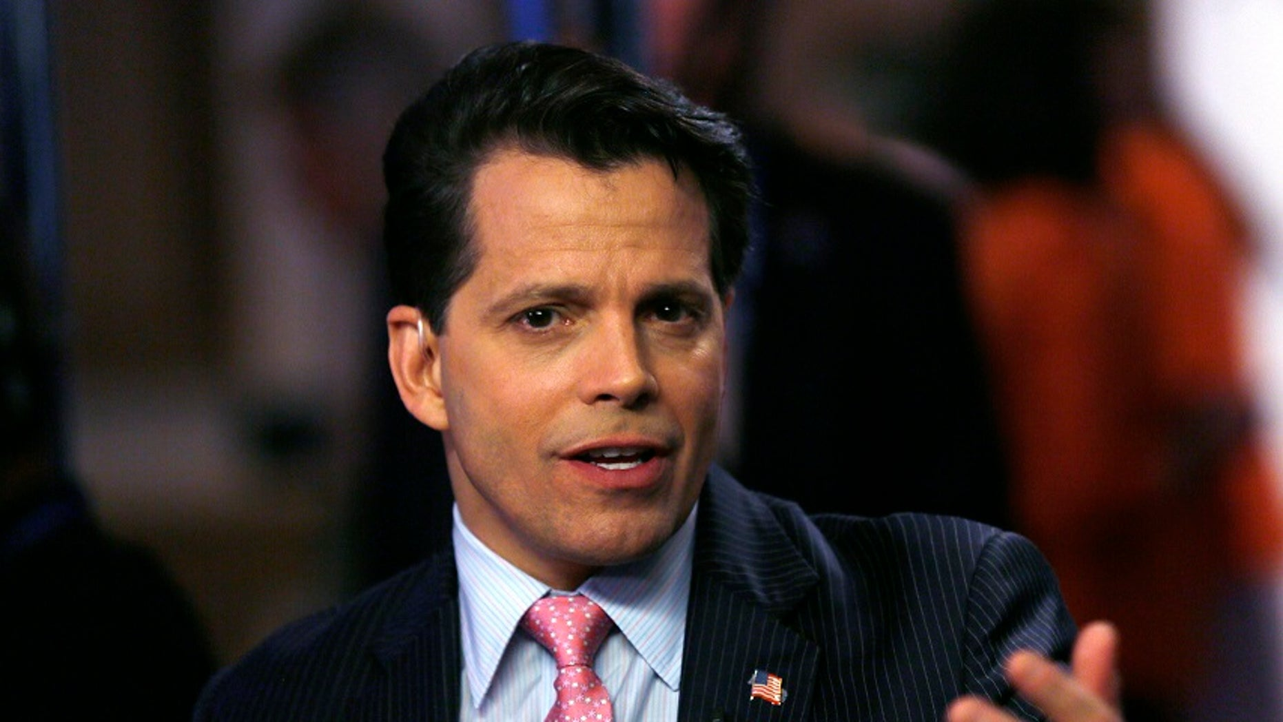 Anthony Scaramucci, co-managing partner of investment firm SkyBridge Capital, talks to a reporter at the annual Skybridge Alternatives Conference in Las Vegas May 8, 2013. REUTERS/Rick Wilking (UNITED STATES - Tags: BUSINESS) - RTXZF7Z