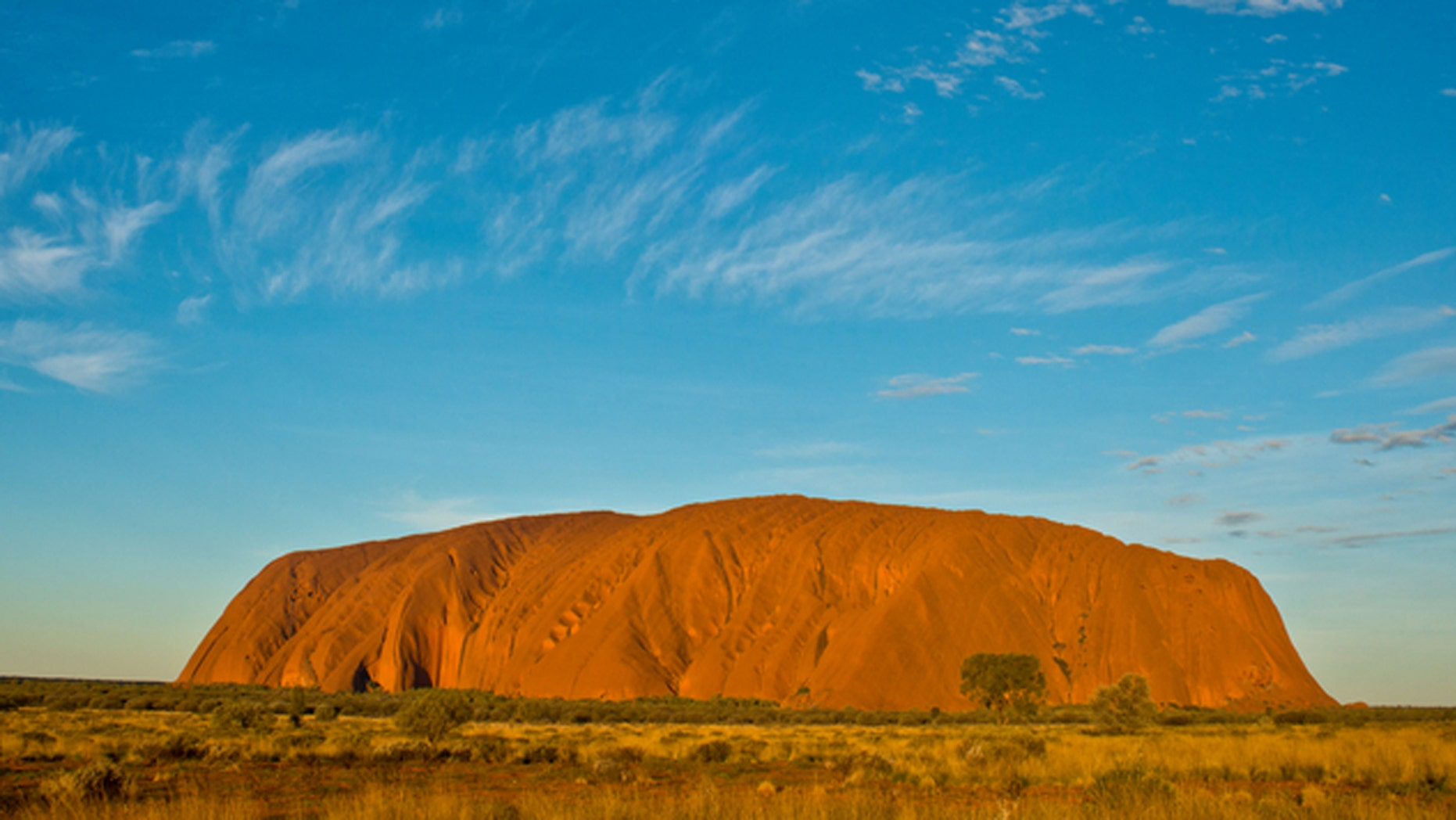 Northern Territory Emergency Service, along with rangers from Parks Australia and police from Yulara and Mutitjulu rescued three men after they became stranded in a crevasse at Mt. Uluru.