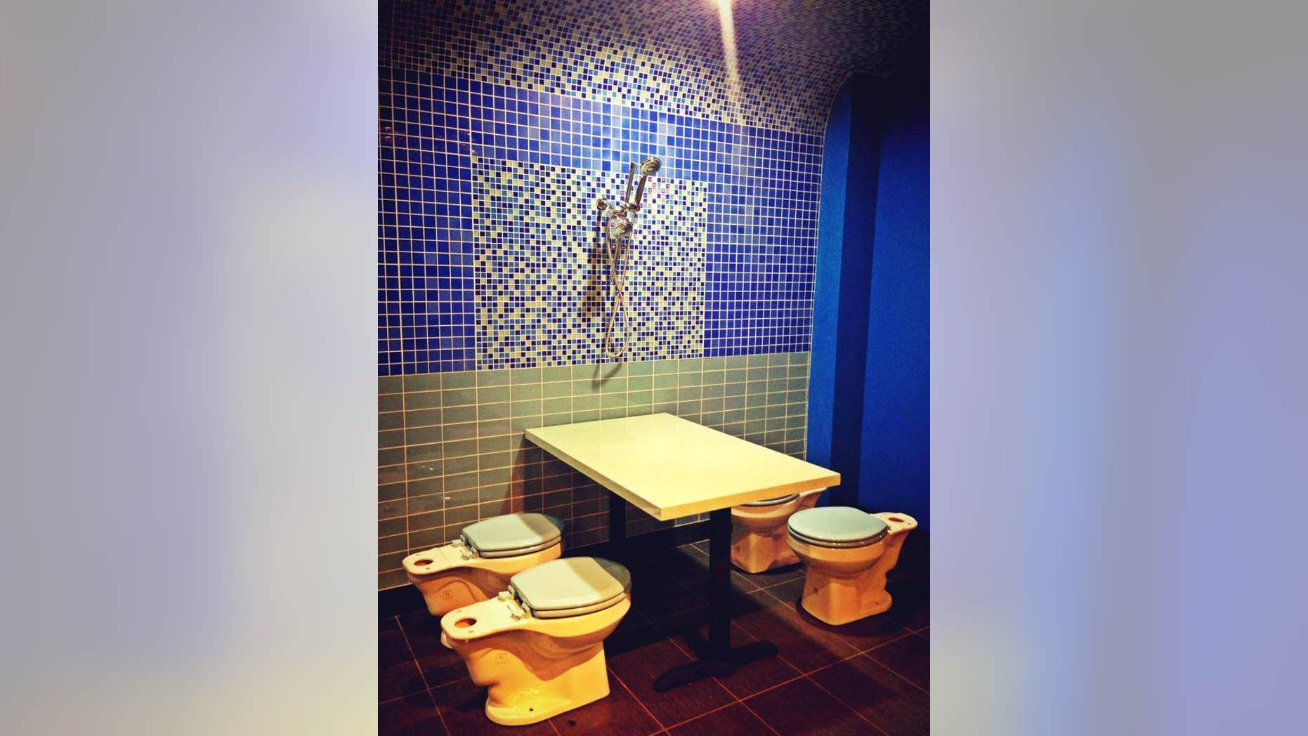 Diners can no longer eat from toilets at this bathroom-themed eatery.