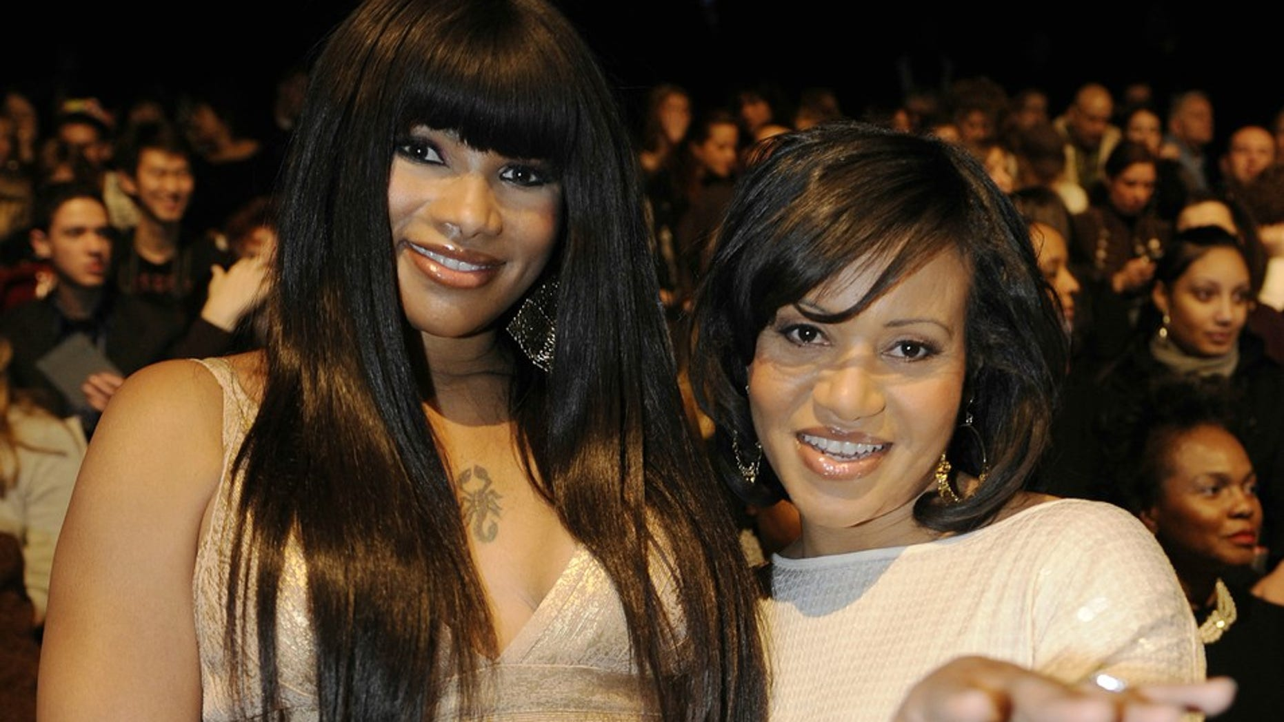 Singers Sandra Denton (L) and Cheryl James of Salt-n-Pepa.