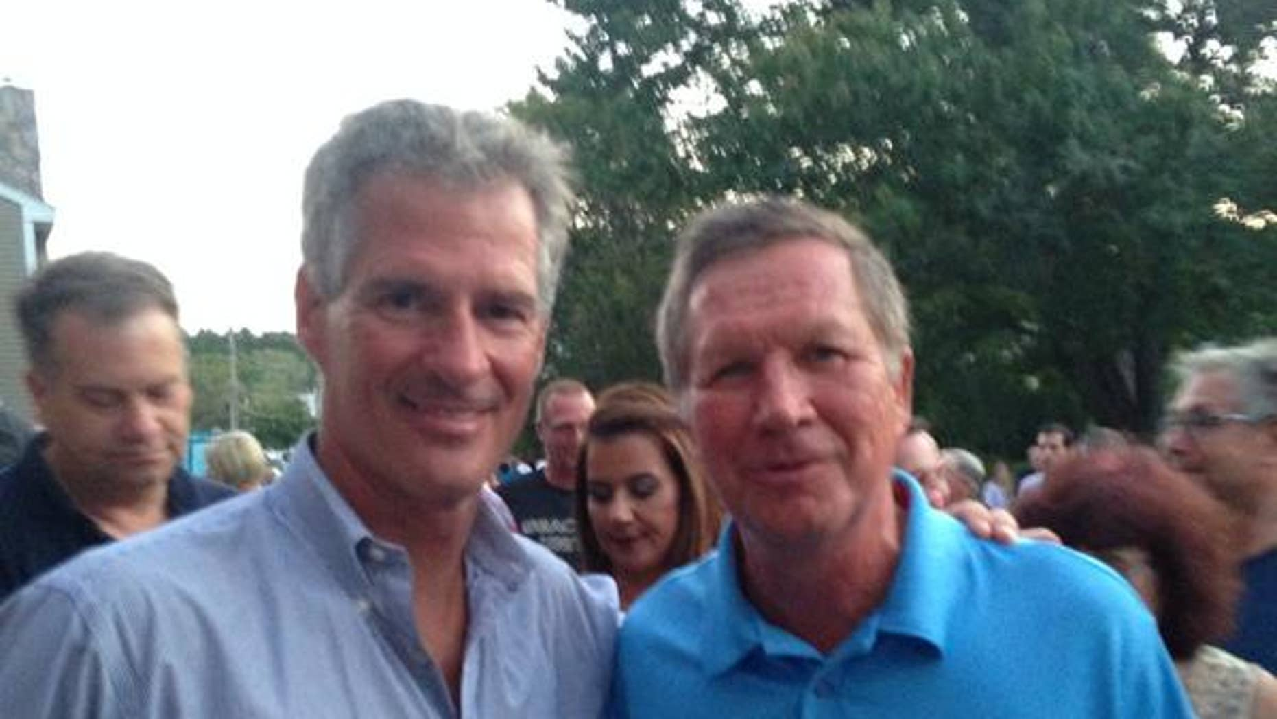 Former Mass. Sen. Scott Brown and Ohio Gov. John Kasich at Brown's 'No BS backyard barbecue' event. (Facebook)