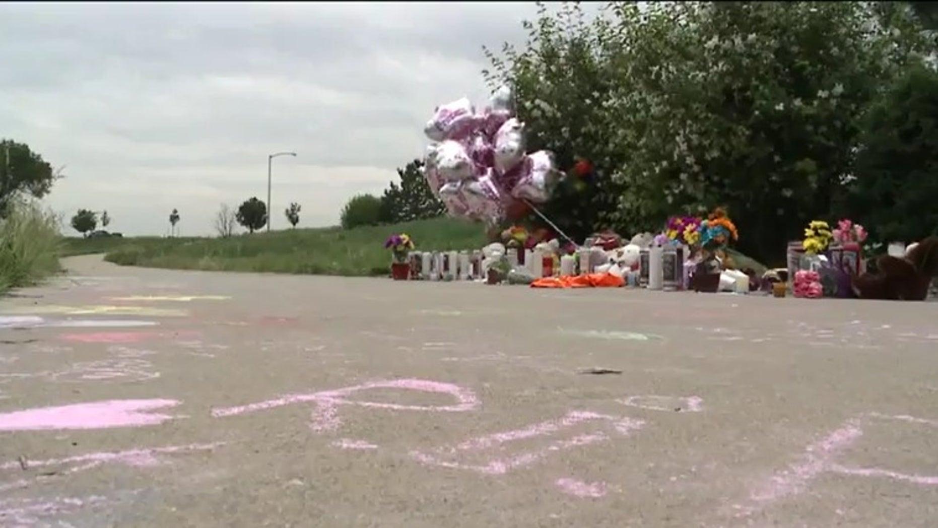 Sidewalk memorial for Kiaya Campbell. (Fox 31 Denver)