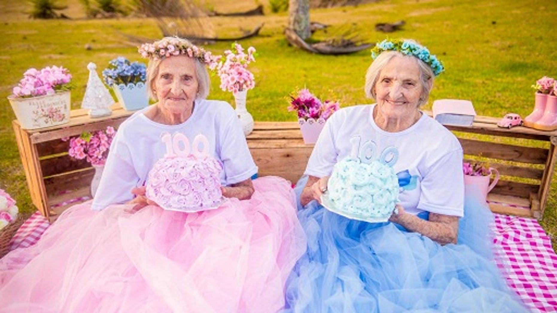 Twins Maria Pignaton Pontin and Paulina Pignaton Pandolfi will turn 100 years on May 20, 2017. The twins commemorated their milestone birthday with a photoshoot.
