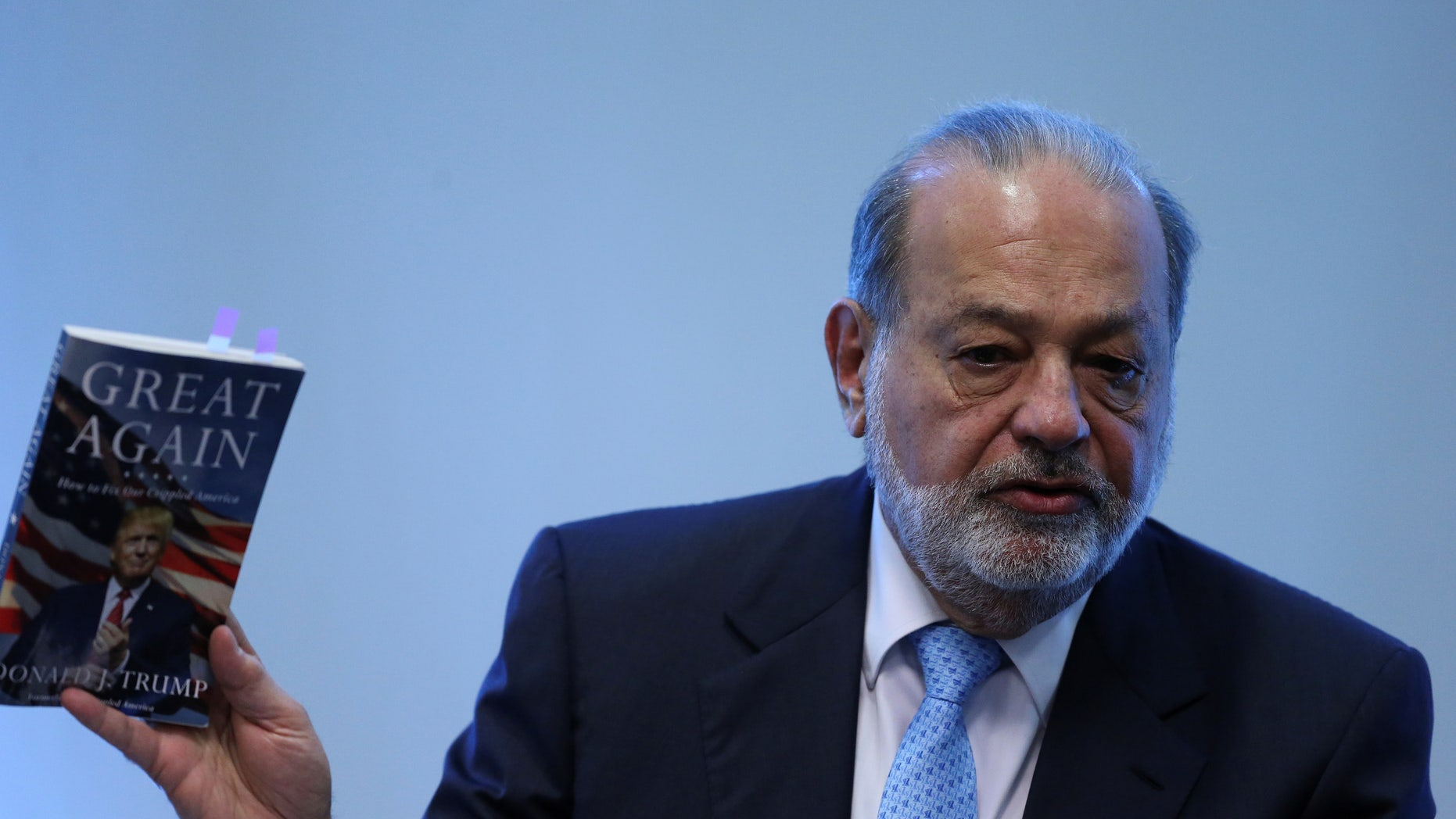 Mexican billionaire Carlos Slim during a news conference in Mexico City, Mexico January 27, 2017