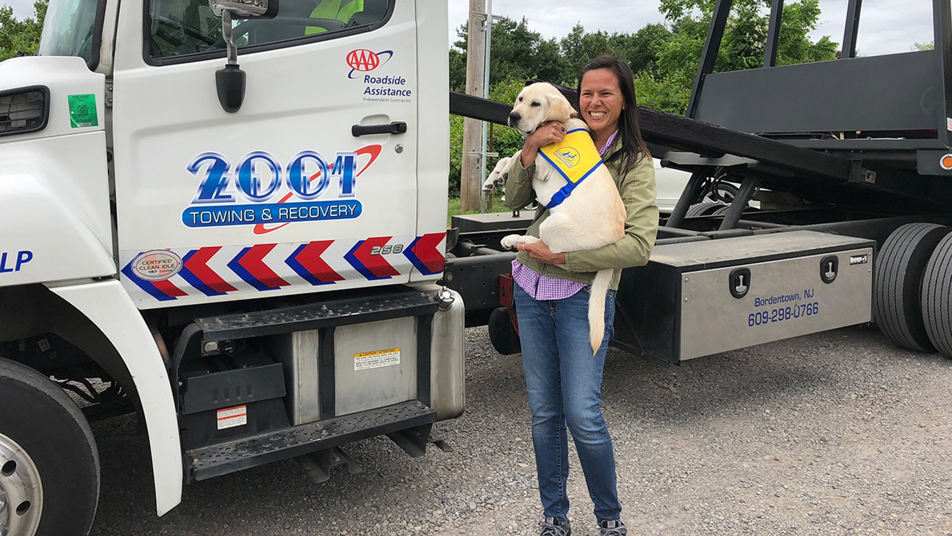 Volunteers love helping each other out — a fact Jennifer Williams learned after getting stranded in New Jersey.