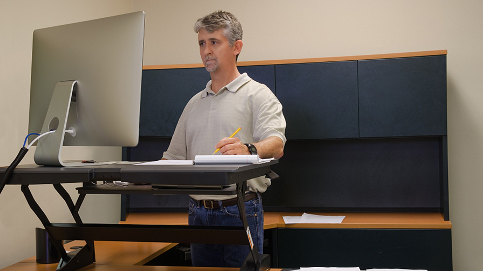 """Using a standing desk for long periods of time can lead to """"significant"""" discomfort and mental sluggishness, according to a new study."""