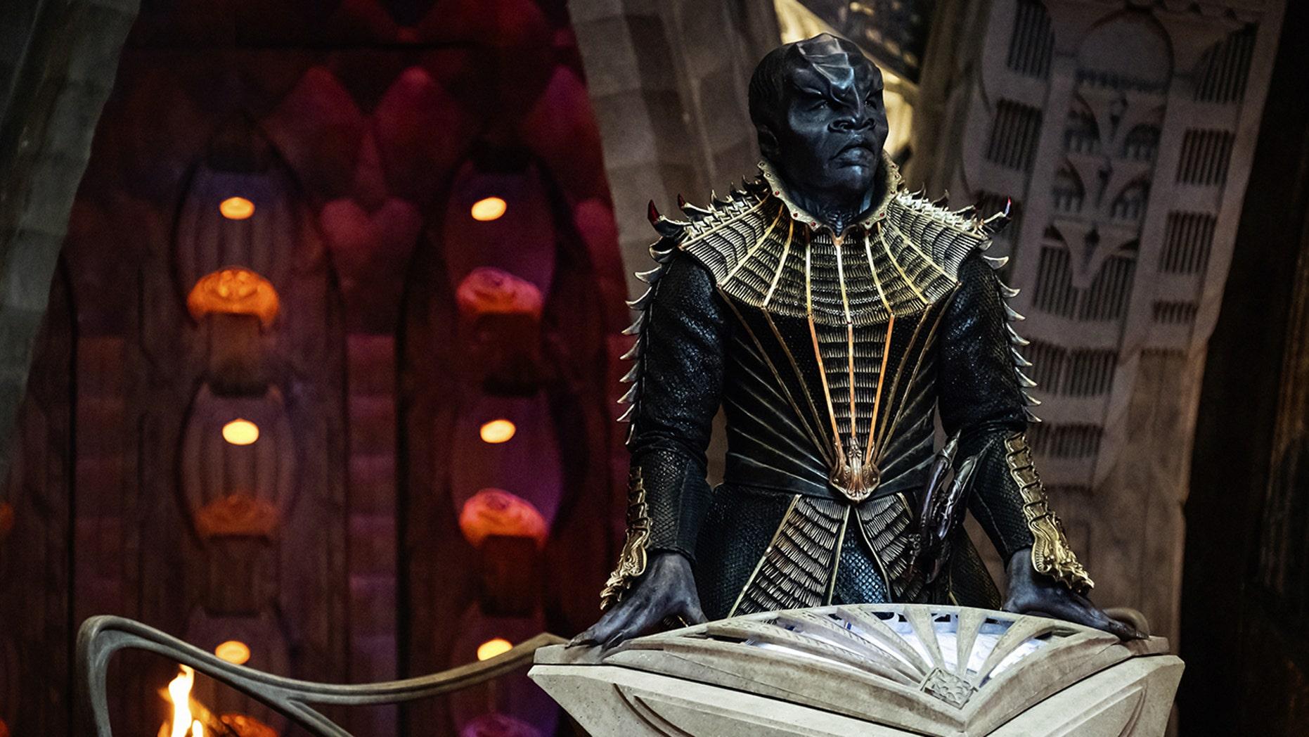 "Chris Obi as T'Kuvma in ""Star Trek: Discovery"""