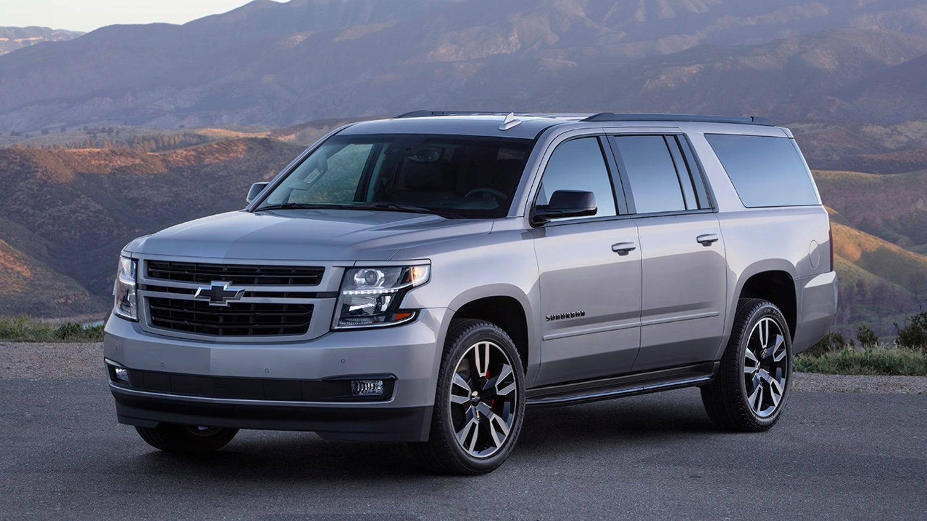 The 2019 Suburban RST Performance Package features a 420-hp, 6.2L V-8 engine, Magnetic Ride Control with performance calibration, and a new Hydra-Matic 10L80 10-speed transmission. Available as an upgrade to the Suburban RST, customers can order the Performance Package in summer 2018.