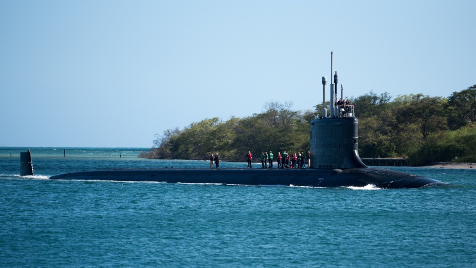 File photo - The Virginia-class fast attack submarine USS Hawaii (SSN 776) pulls into Pearl Harbor July 6 as part of the biannual Rim of the Pacific (RIMPAC) 2018 maritime exercise.  (U.S. Navy photo by Mass Communications Specialist 1st Class Daniel Hinton/Released)