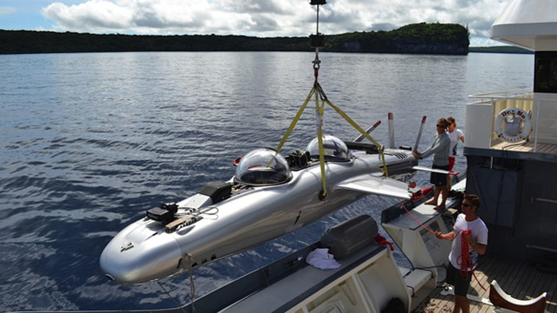 The Deepflight Super Falcon submarine aims to push the limits of submersibles during a Lake Tahoe expedition.