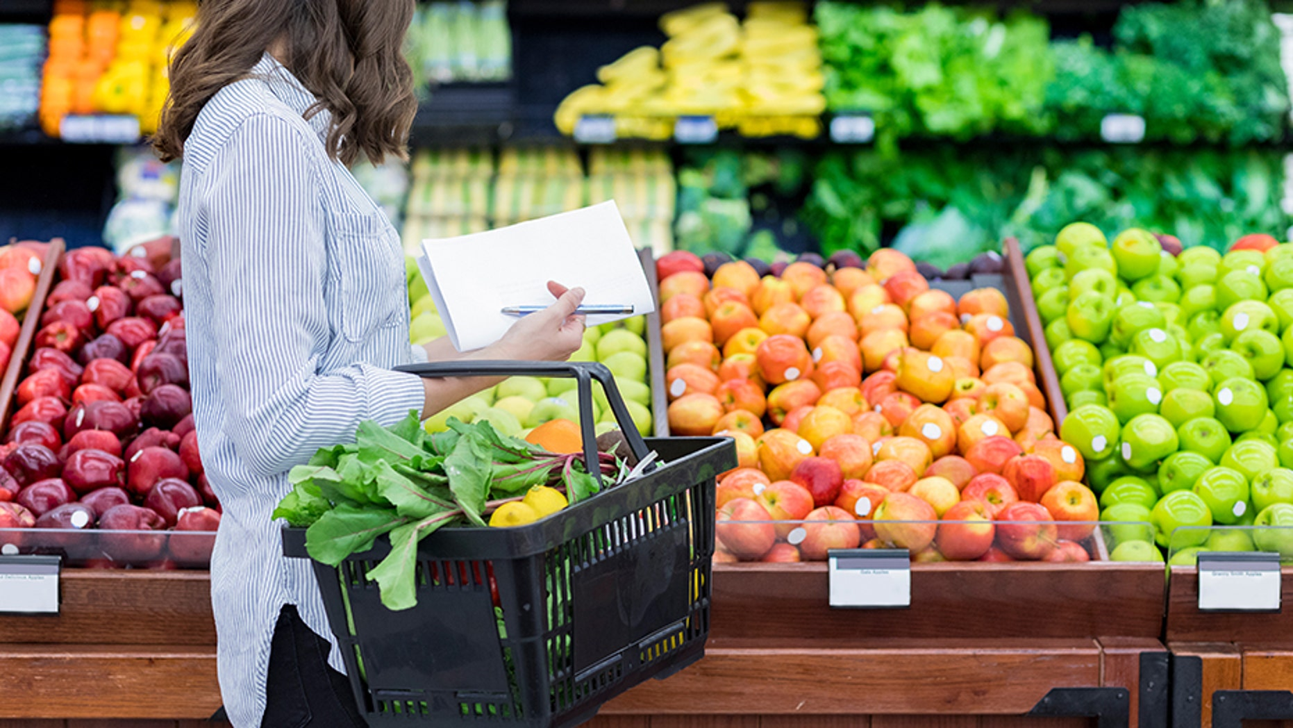 In a new study about food waste, researchers discovered that healthy people waste more food because they consume more fruits and vegetables.