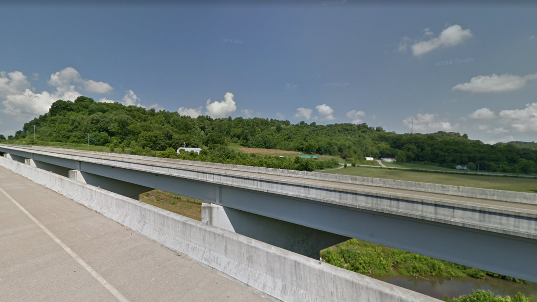 A 30-year-old man died Thursday after falling off a bridge in Tennessee while he was waiting for someone to change his tire.