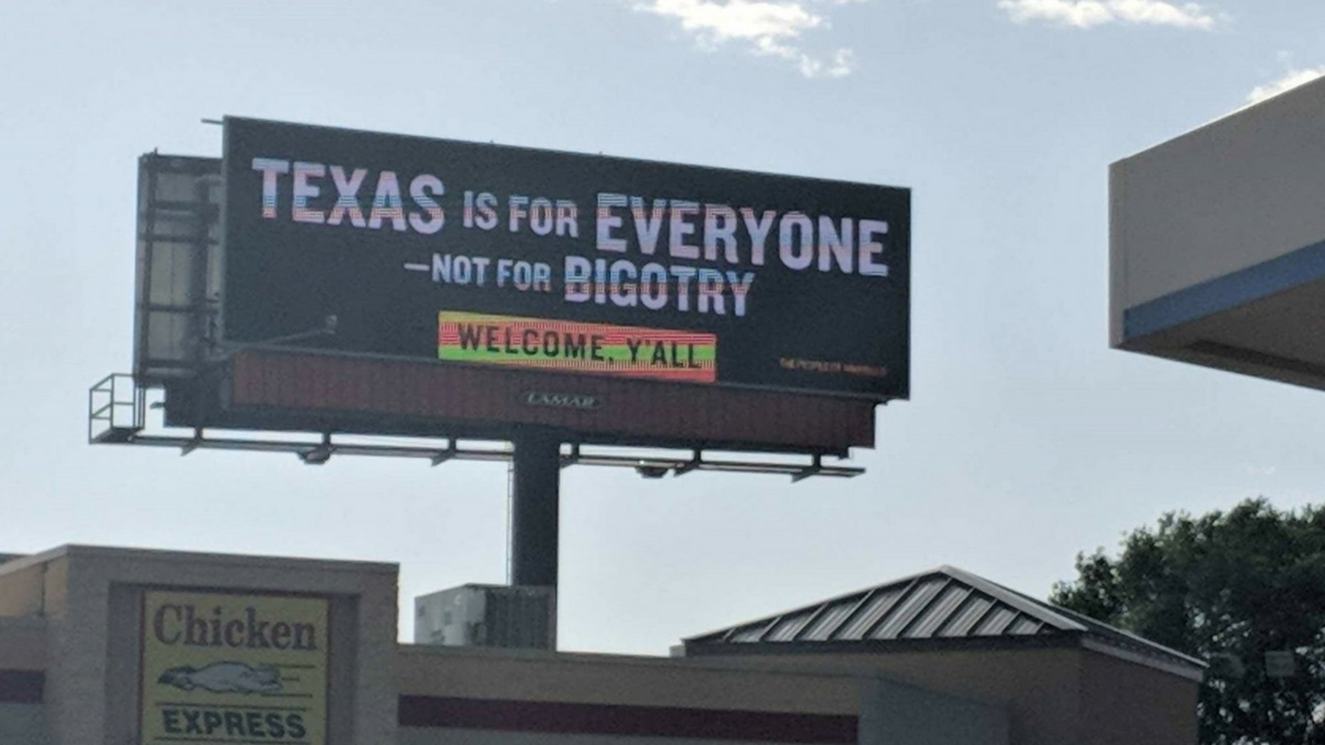 A new billboard has been erected in Amarillo, Texas, telling visitors they were welcome.
