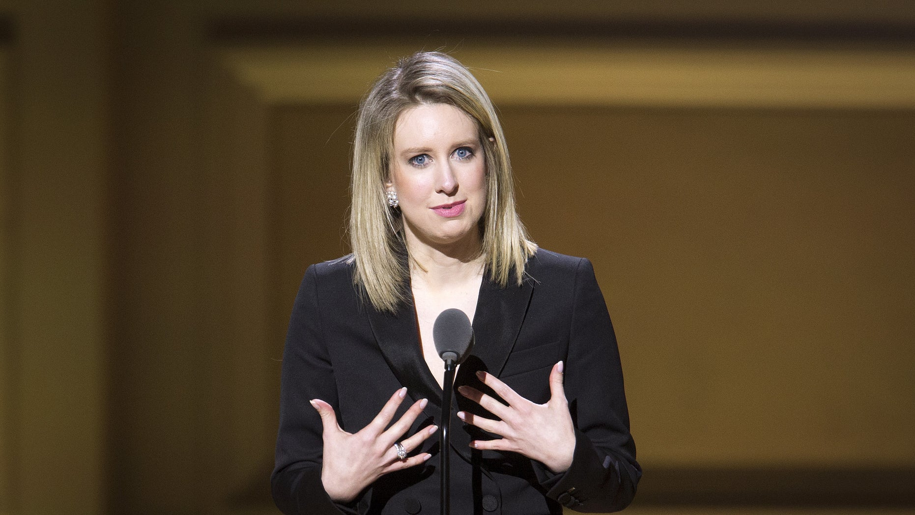 Theranos Chief Executive Officer Elizabeth Holmes speaks on stage at the Glamour Women of the Year Awards where she receives an award, in the Manhattan borough of New York November 9, 2015.