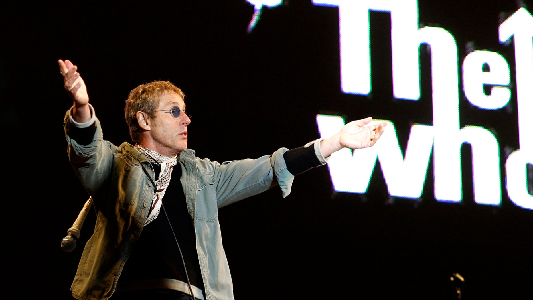 British band The Who's lead singer Roger Daltry performs during the Glastonbury music festival in Somerset, south-west England, June 24, 2007.