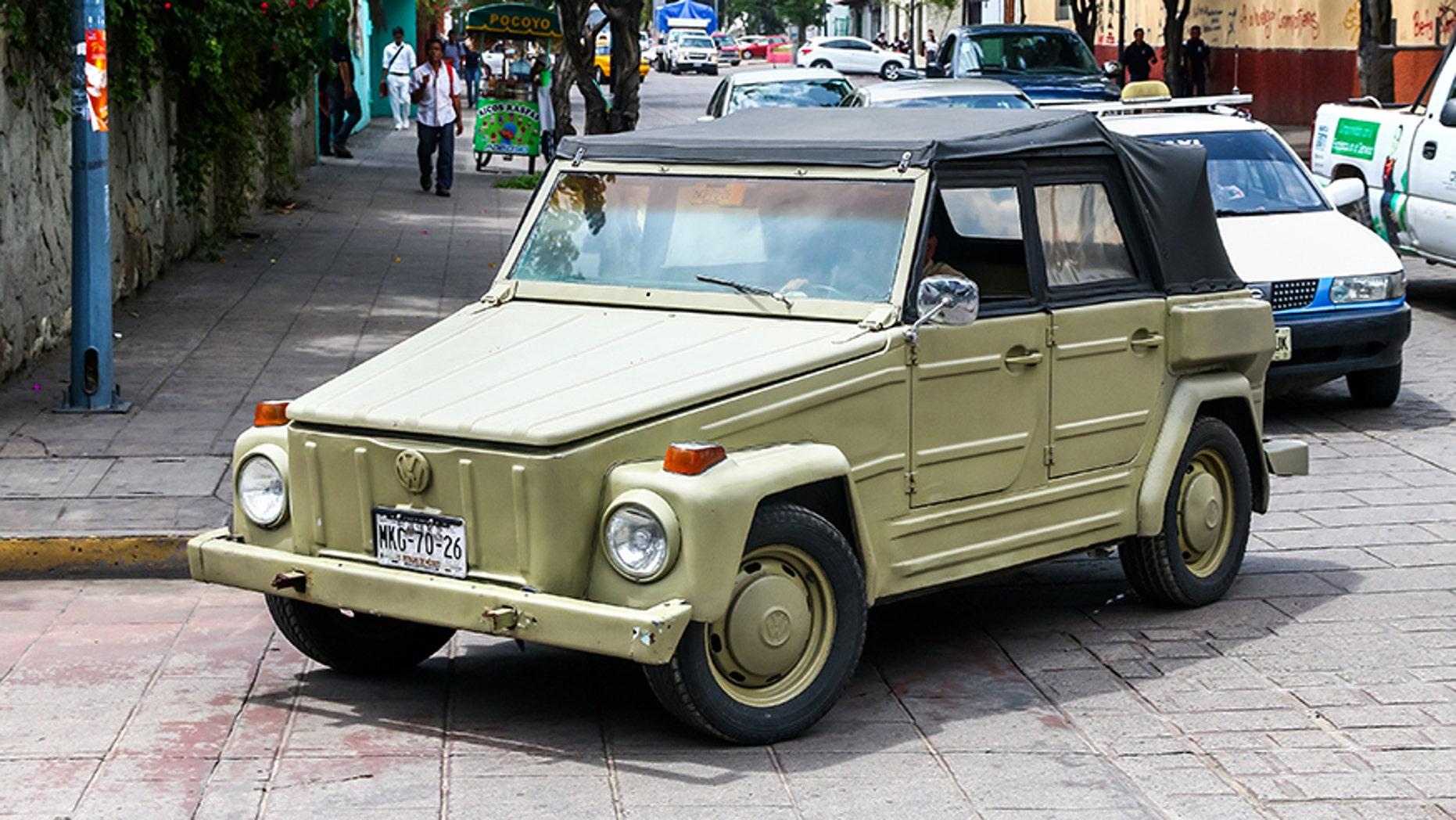 OAXACA, MEXICO - MAY 25, 2017: Motor car Volkswagen Safari in the city street.