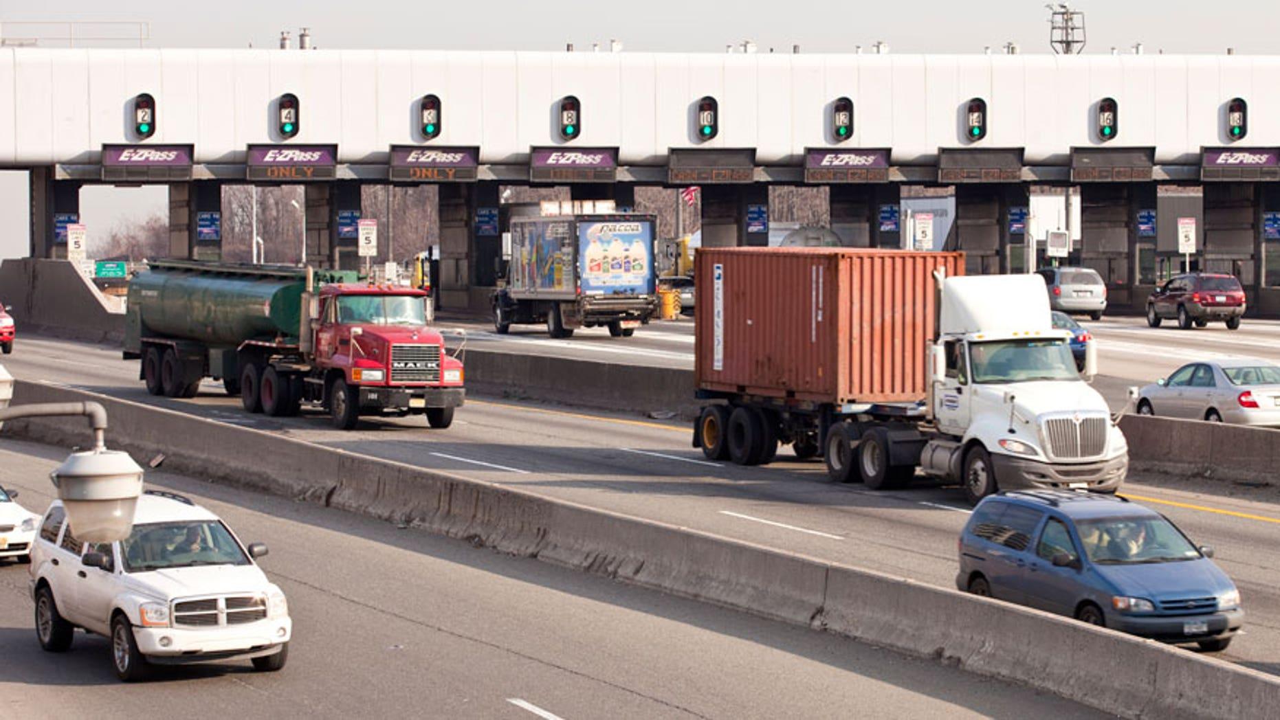 George Washington Bridge toll plaza (file)
