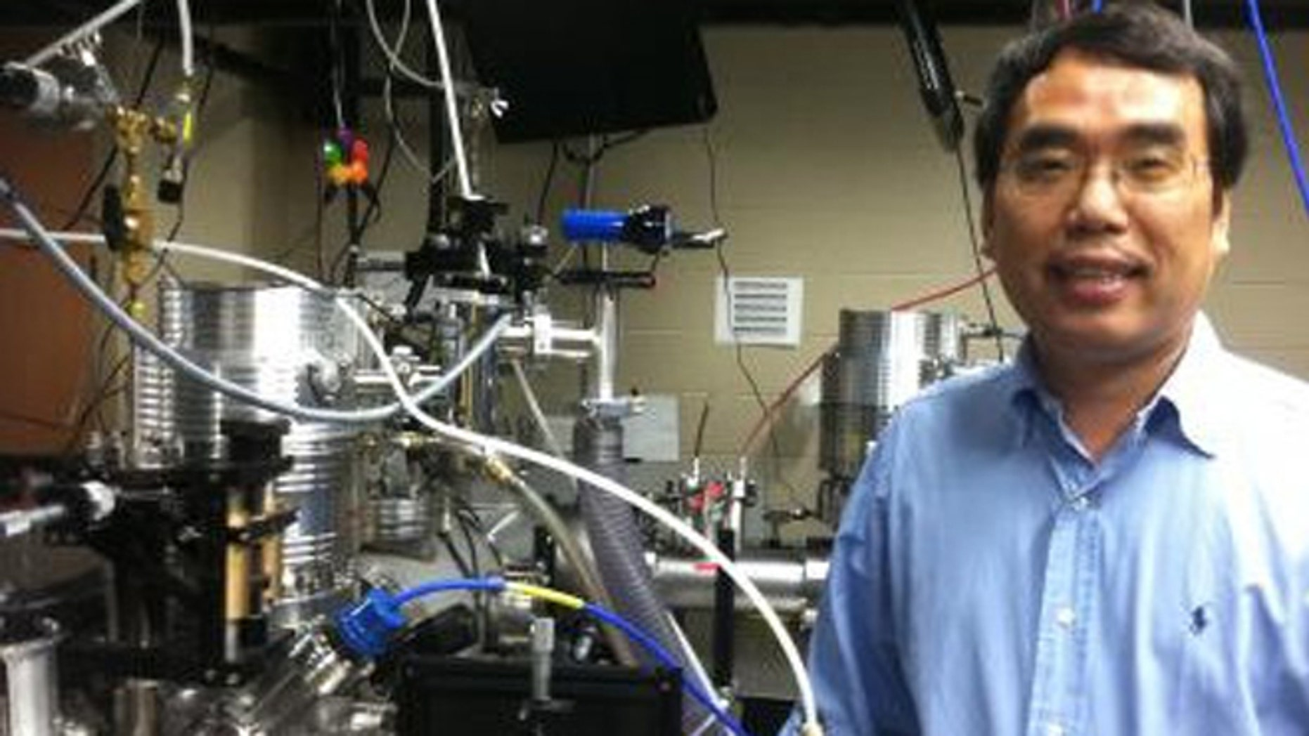 A photo of Dr. Chang, who accomplished his work at the Florida Atto Science &Technology (FAST) lab.