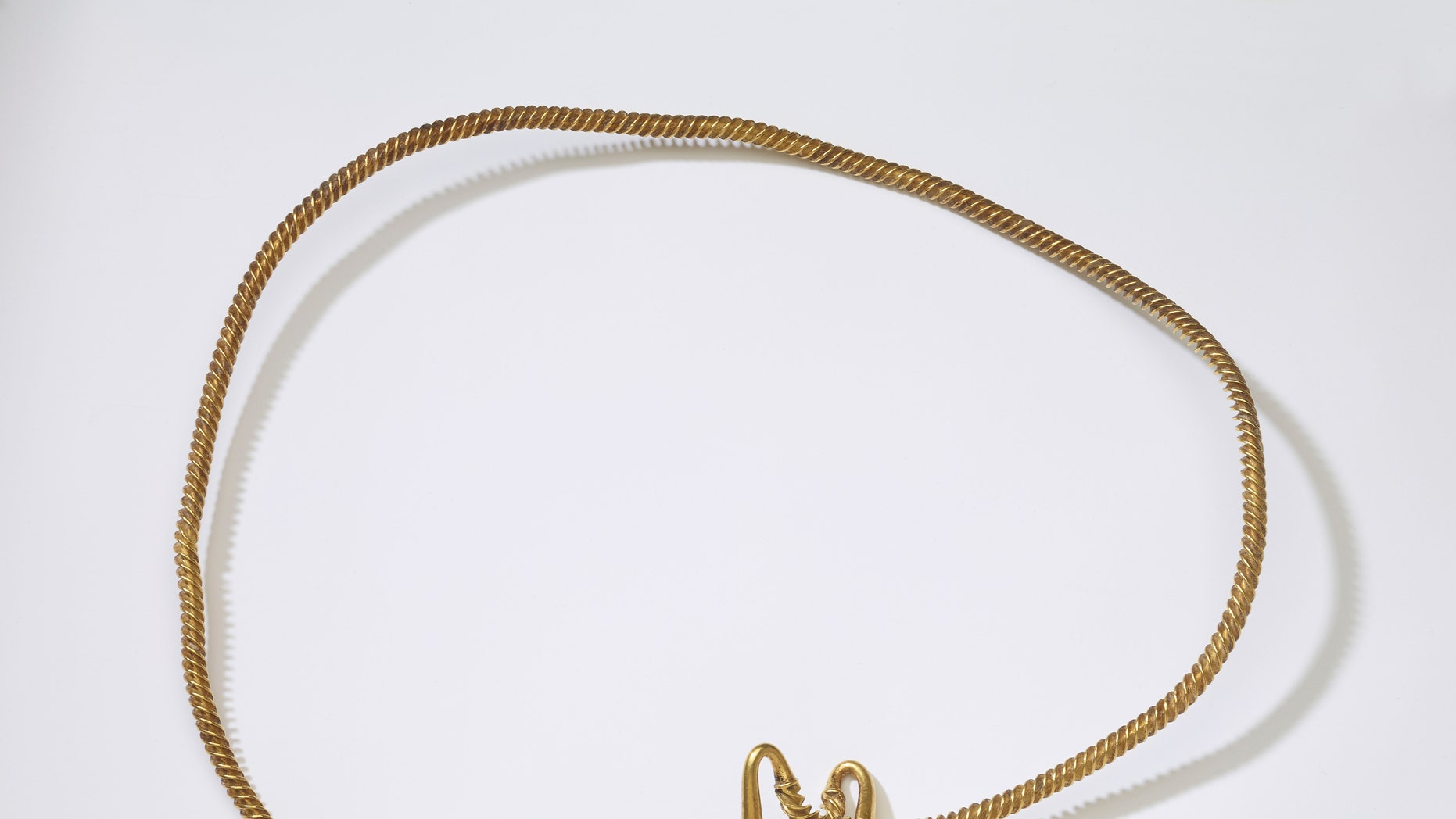 The mysterious 3,00 year-old gold torc (The British Museum).