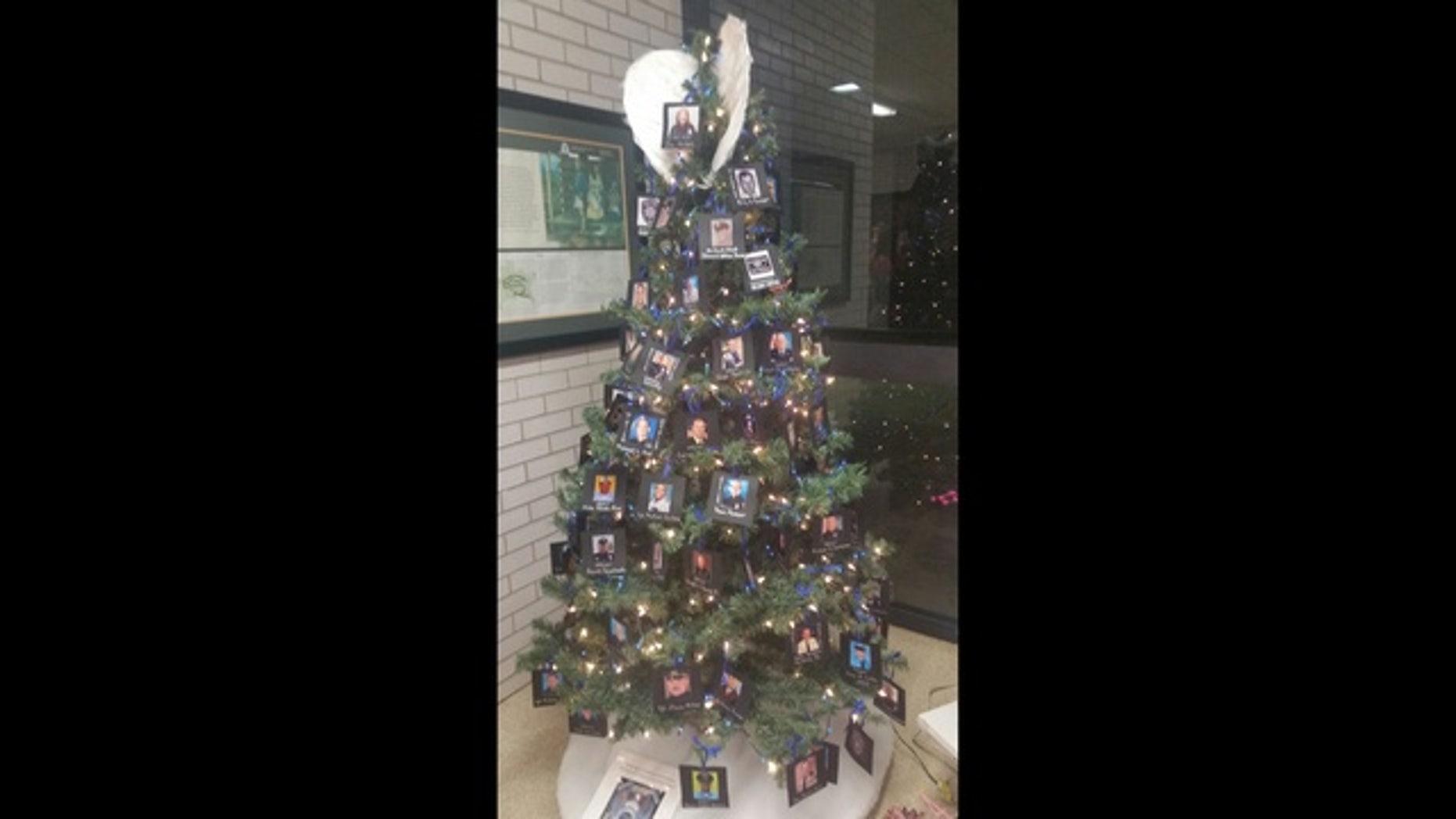 The Christmas tree on display in Cedartown.