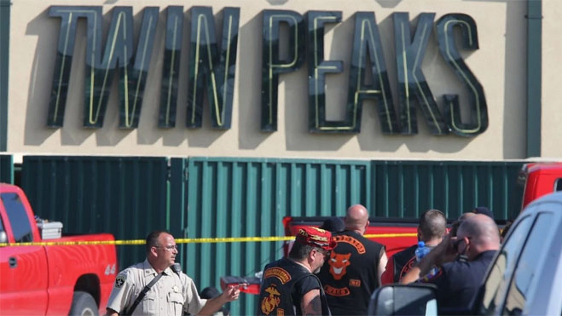 Violence at a Waco Twin Peaks restaurant left 9 gang members dead and injured 18 others.