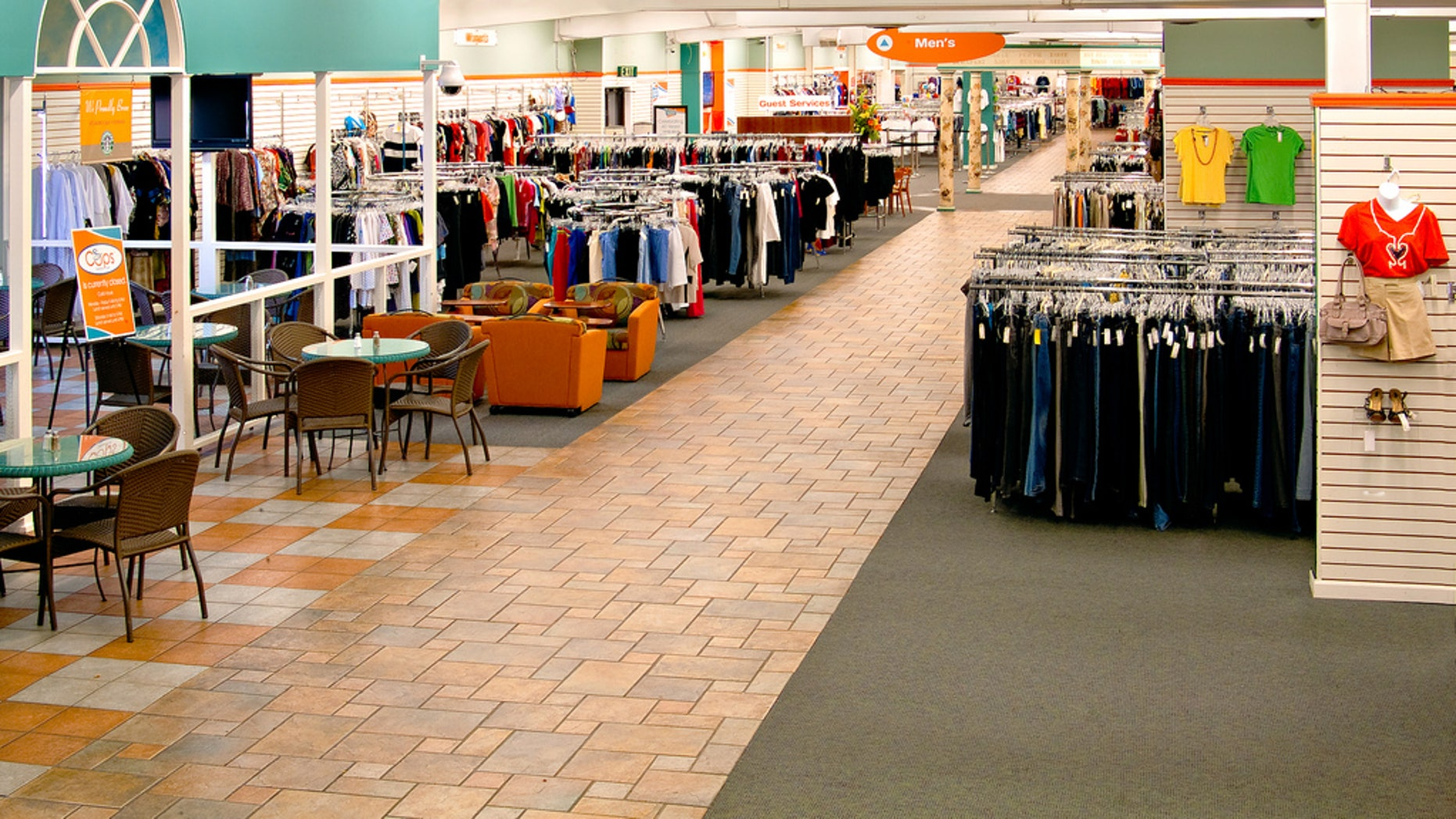 The retail floor at the Unclaimed Baggage Center in Scottsboro, Alabama. (courtesy UBC)