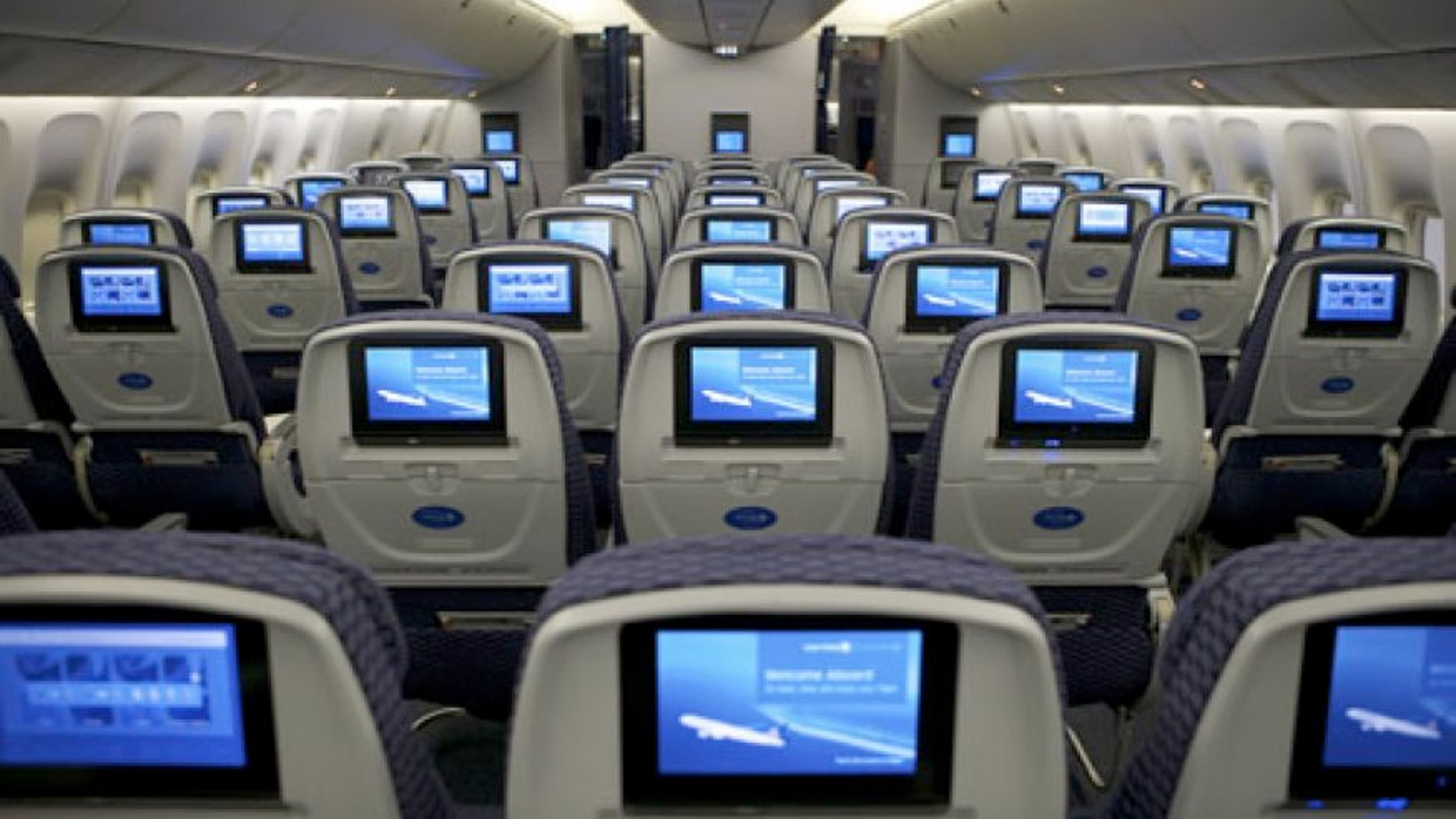 Complementary treats are making their way back on all United U.S. Economy flights.