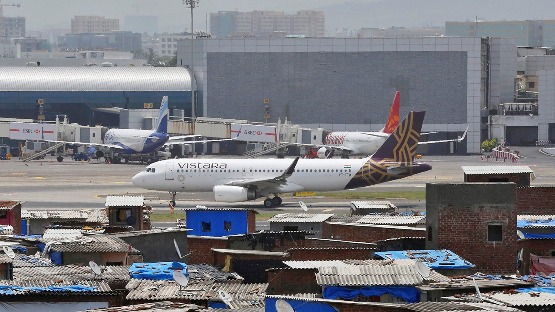 According to the New Indian Express, Vistara flight UK 707 was preparing to depart from Indira Gandhi International Airport in Delhi to Netaji Subhas Chandra Bose International Airport in Kolkata when the incident occurred.