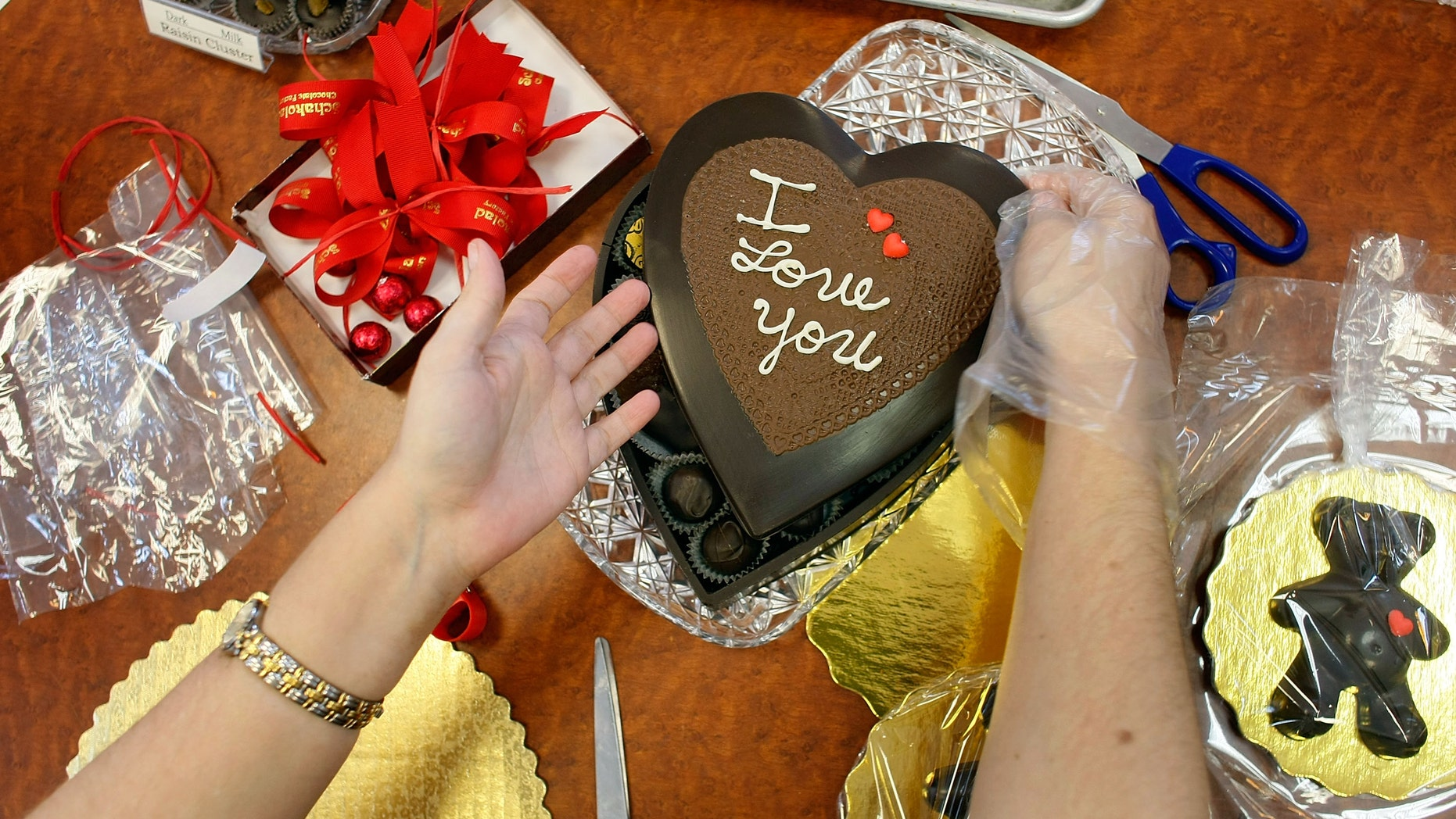 Chocolate gets eaten, flowers wither and cards are tossed into the bin, but a loving memory lasts a lifetime. So if you are on a budget, or feel that Valentine's Day is just too commercialized, here are some thoughtful gift ideas that cost very little but will be priceless to your loved one.