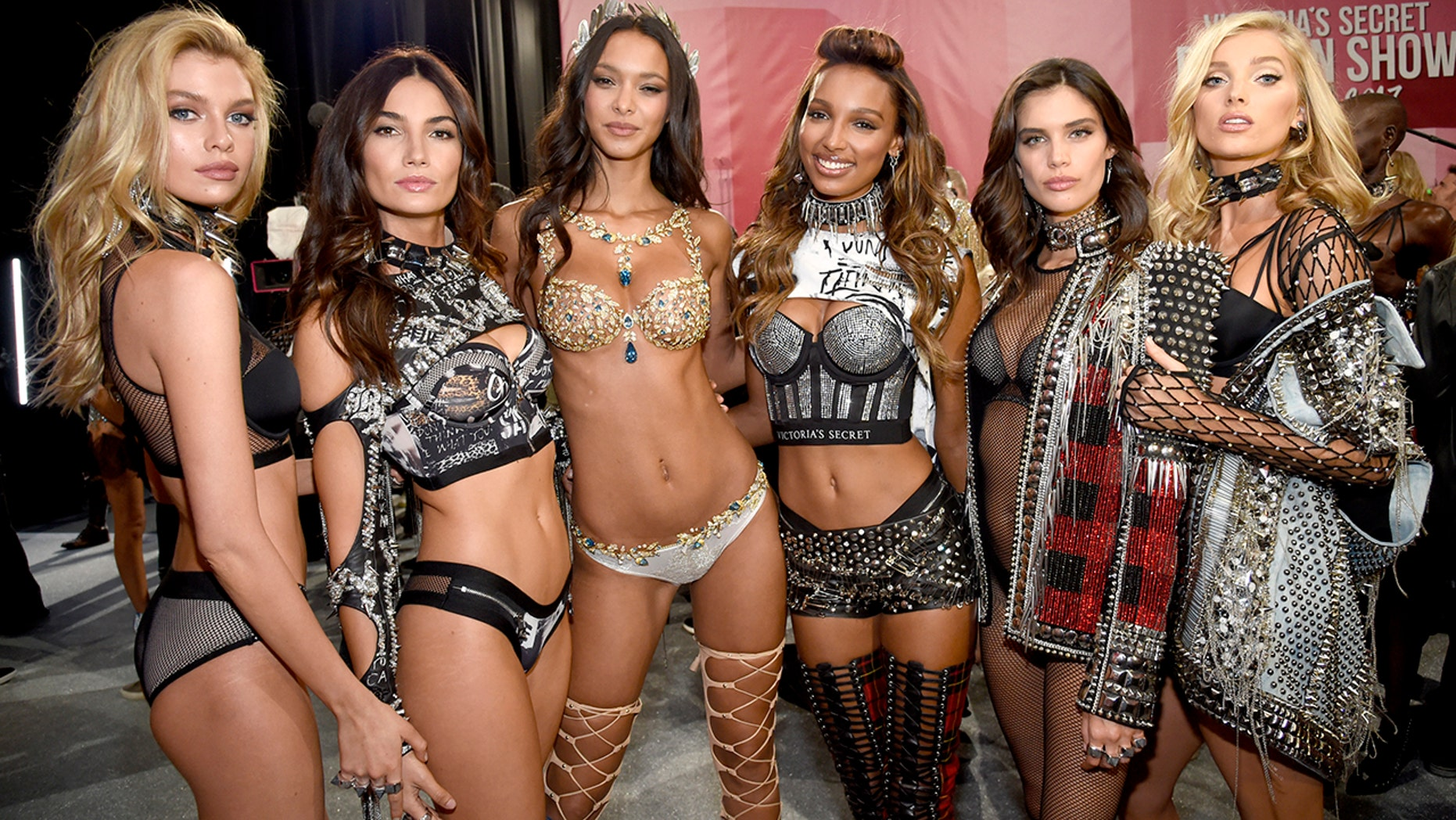 From l-r: Stella Maxwell, Lily Aldridge, Lais Ribeiro, Jasmine Tookes, Sara Sampaio and Elsa Hosk pose backstage during 2017 Victoria's Secret Fashion Show In Shanghai at Mercedes-Benz Arena on November 20, 2017 in Shanghai, China.