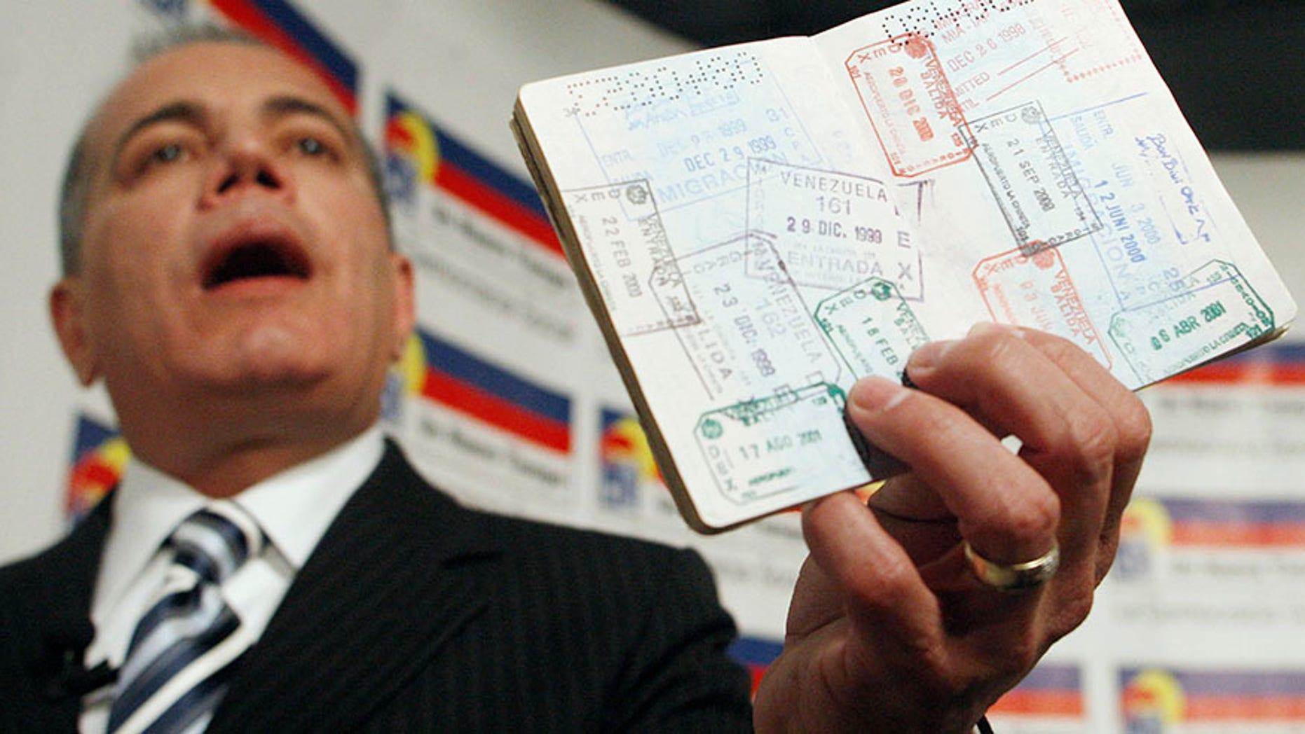 Venezuelan opposition leader Manuel Rosales during a news conference in Lima October 1, 2009.