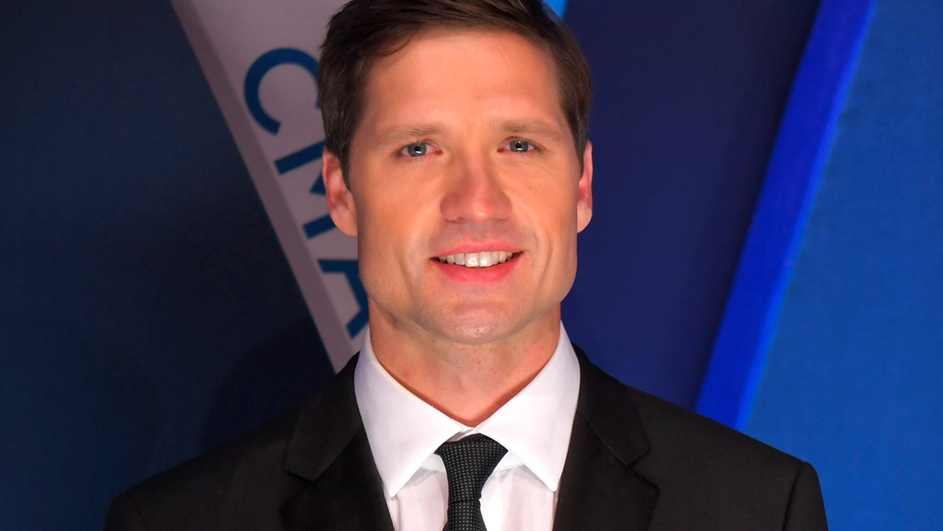 Walker Hayes walks the red carpet at the 51st Country Music Association Awards in Nashville, Tennessee on November 8, 2017.